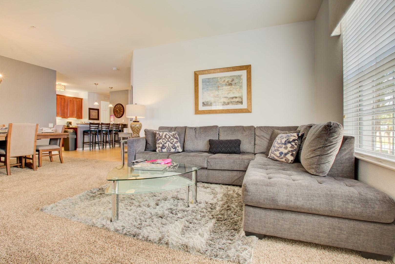 Welcoming, Ample Condo with Balcony; Pool, Hot Tub & Gym Access