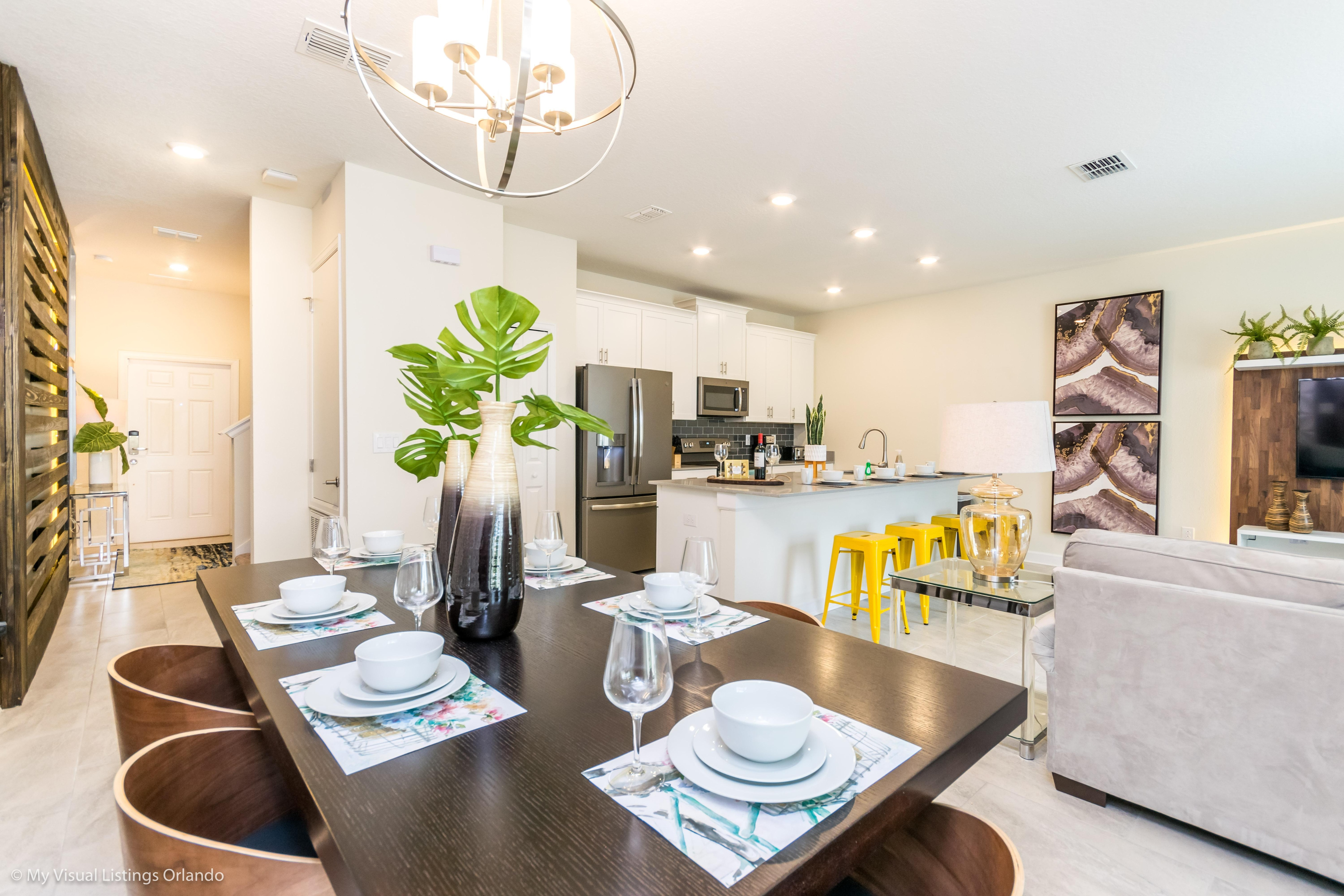 Bright Fabulous ChampionsGate Townhouse with Splash Pool