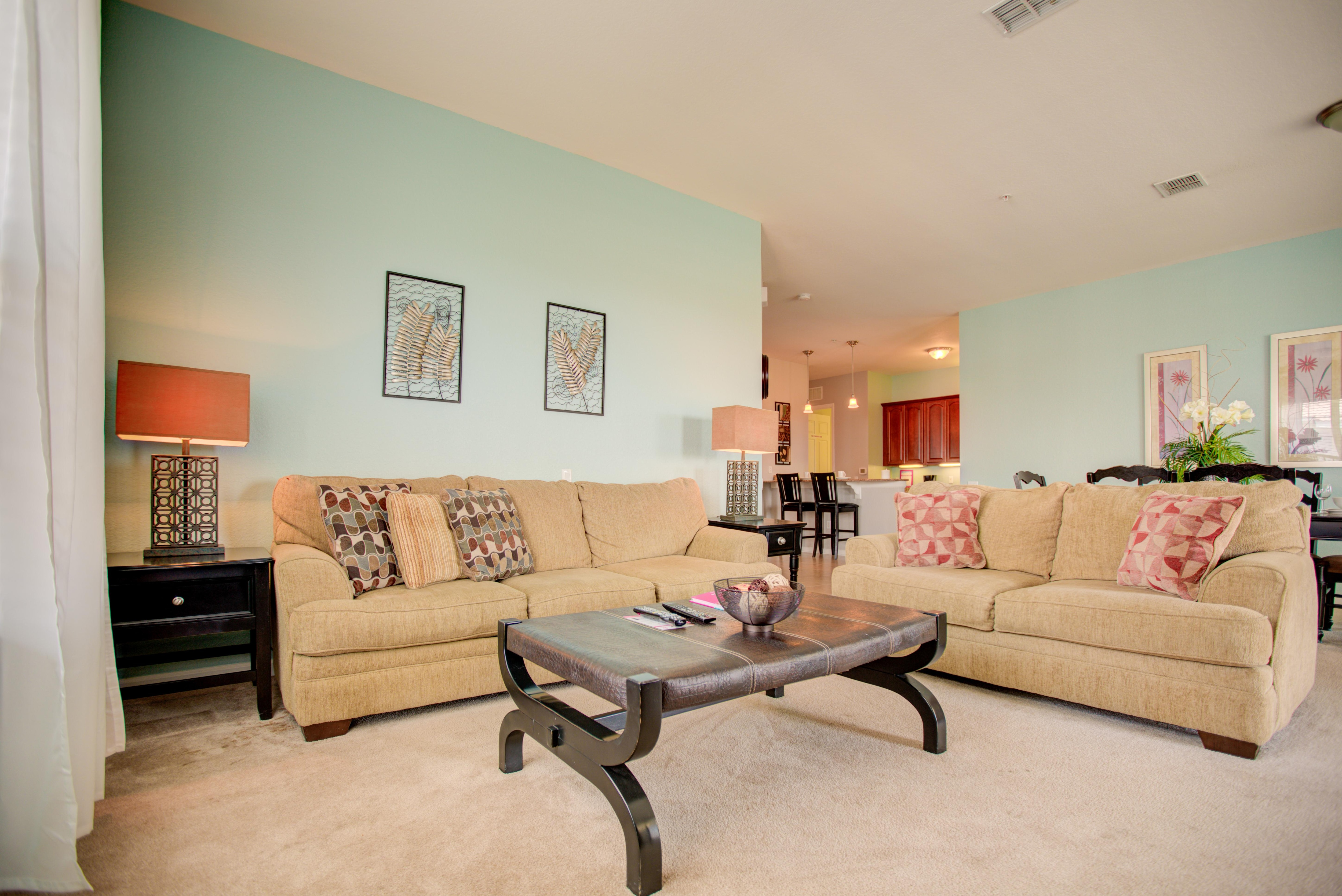 Property Image 1 - Charming, Top-Floor Condo with Lake View Balcony & Resort Access