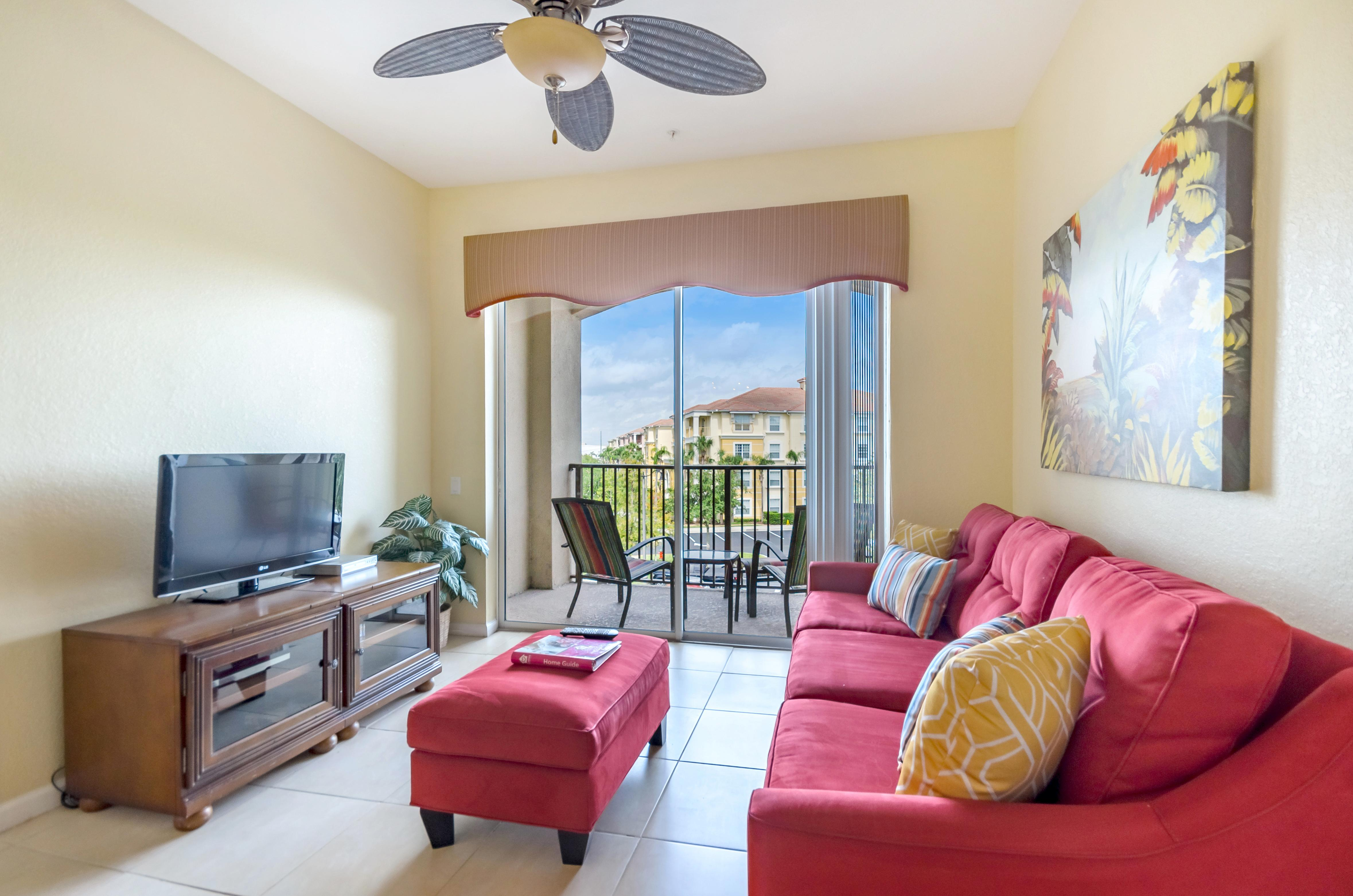 Bright Tropical Condo with Balcony near Universal Studios