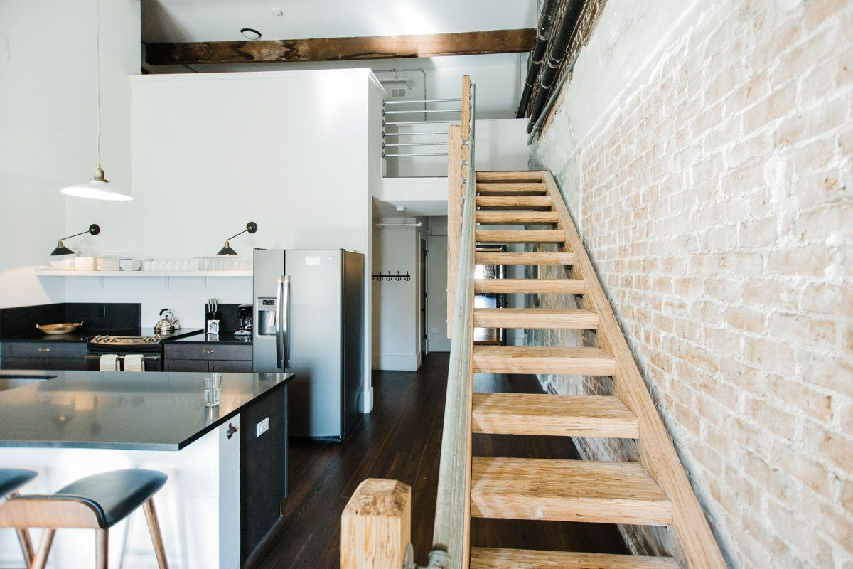 The Ultimate Downtown Home Base for 20 Guests