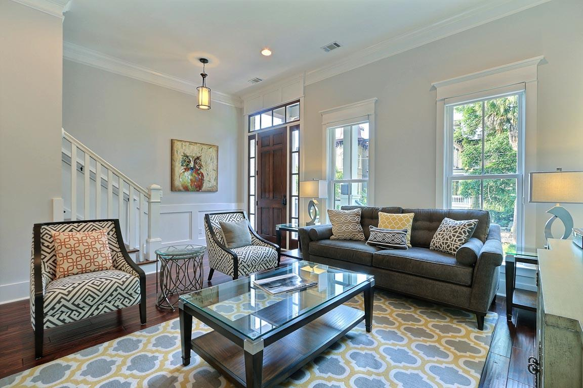 Enter into your modern abode right in the heart of charming Savannah.