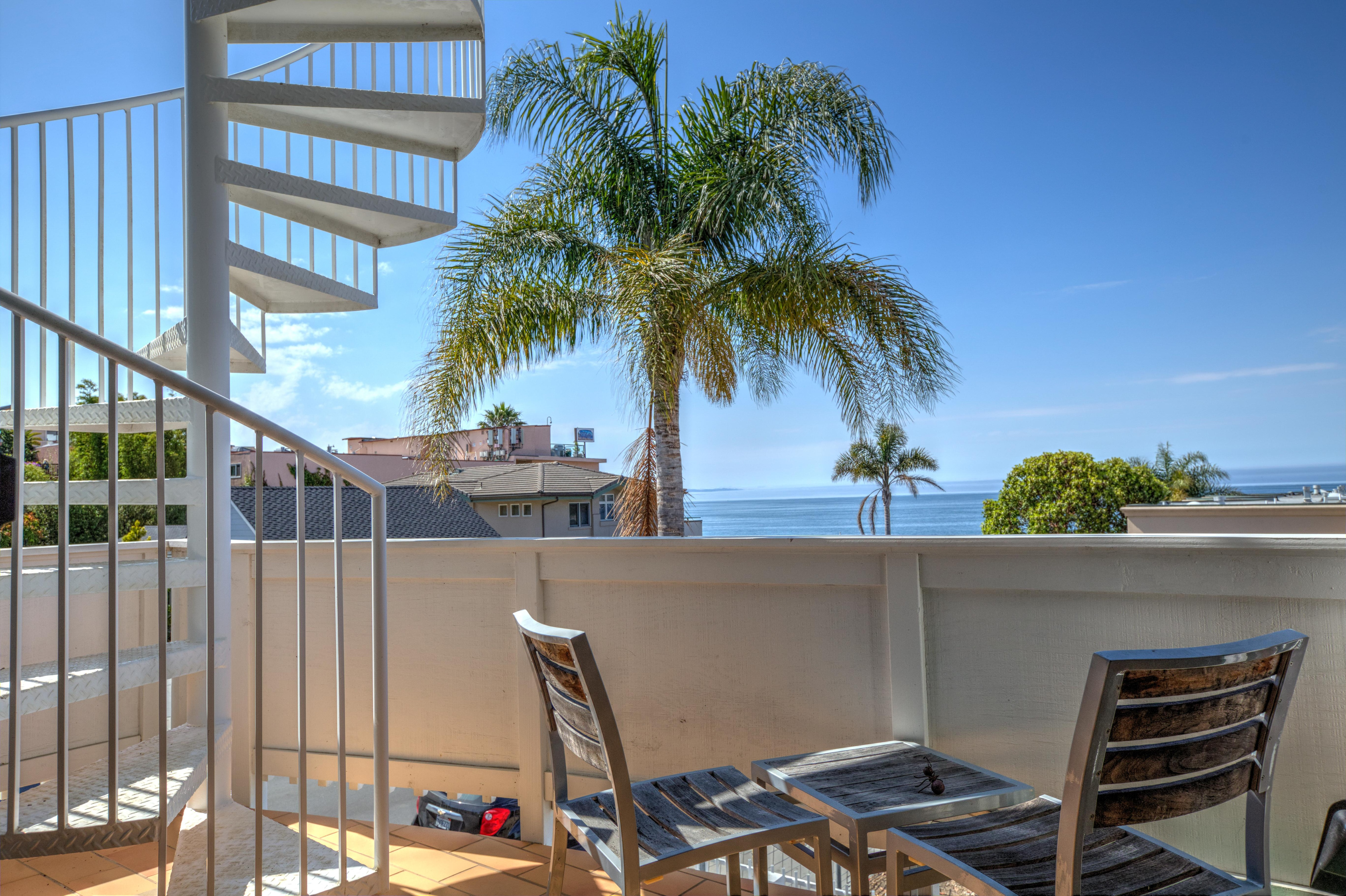 Captivating Classic Condo Just Steps from Avila Beach