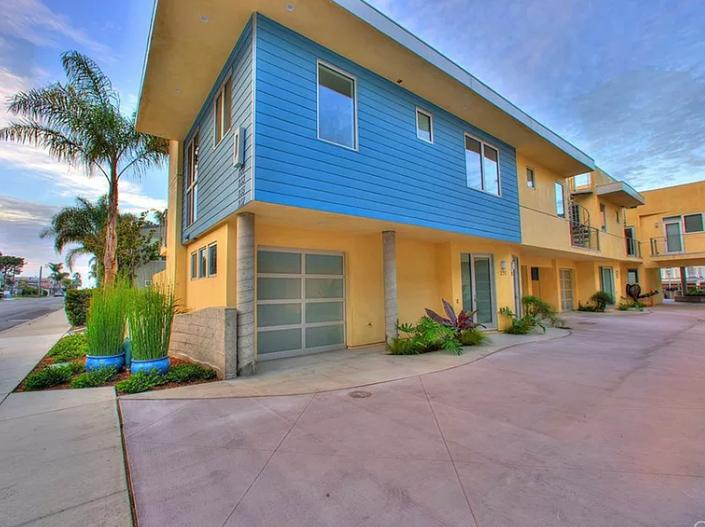 Modern Sun-filled Condo with Rooftop Deck for Entertaining in Avila Beach