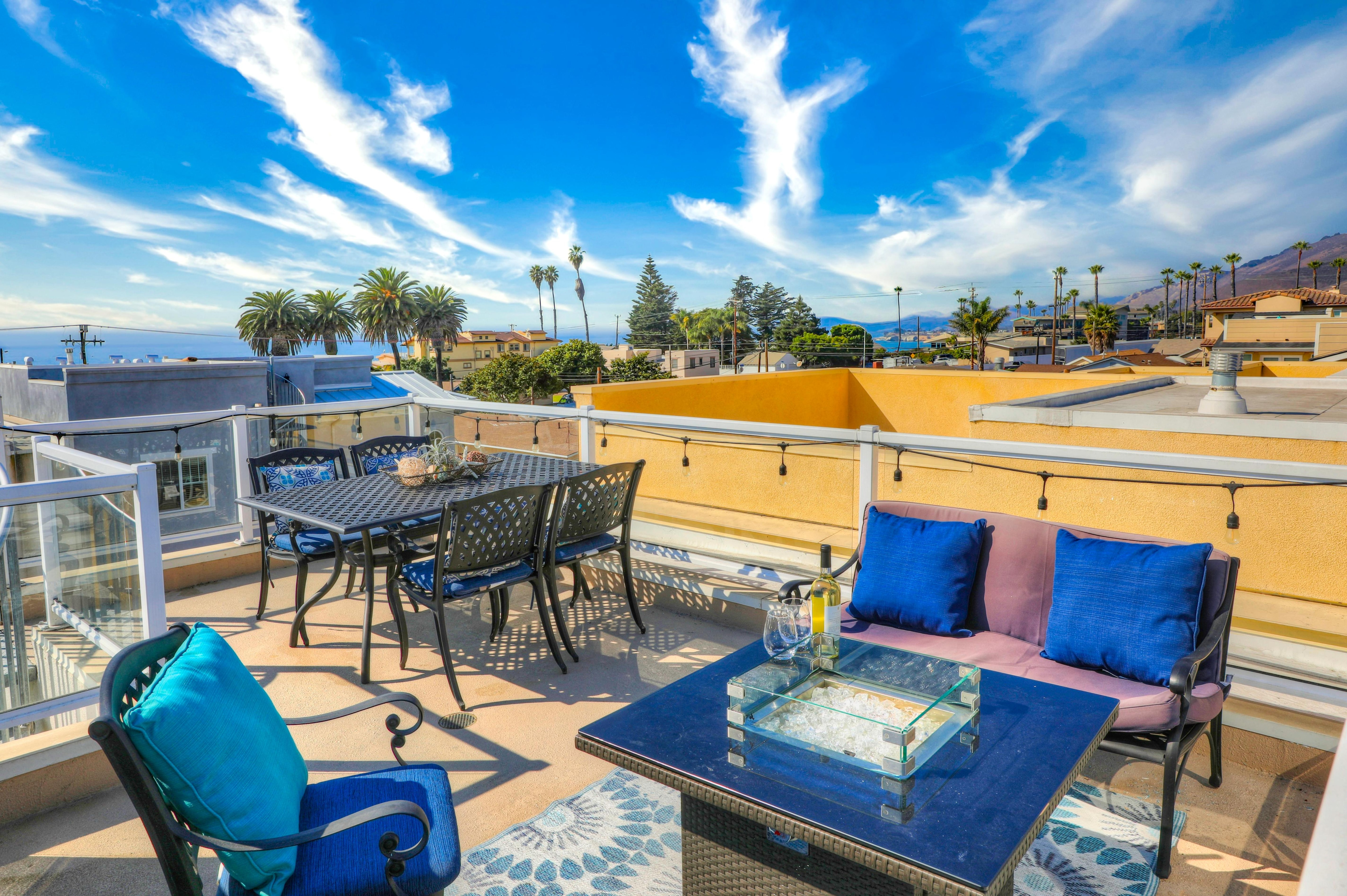 Welcome to Pacific Sunset on San Luis Ave in Pismo Beach. Unobstructed 360 views from rooftop of beach, downtown and mountains.