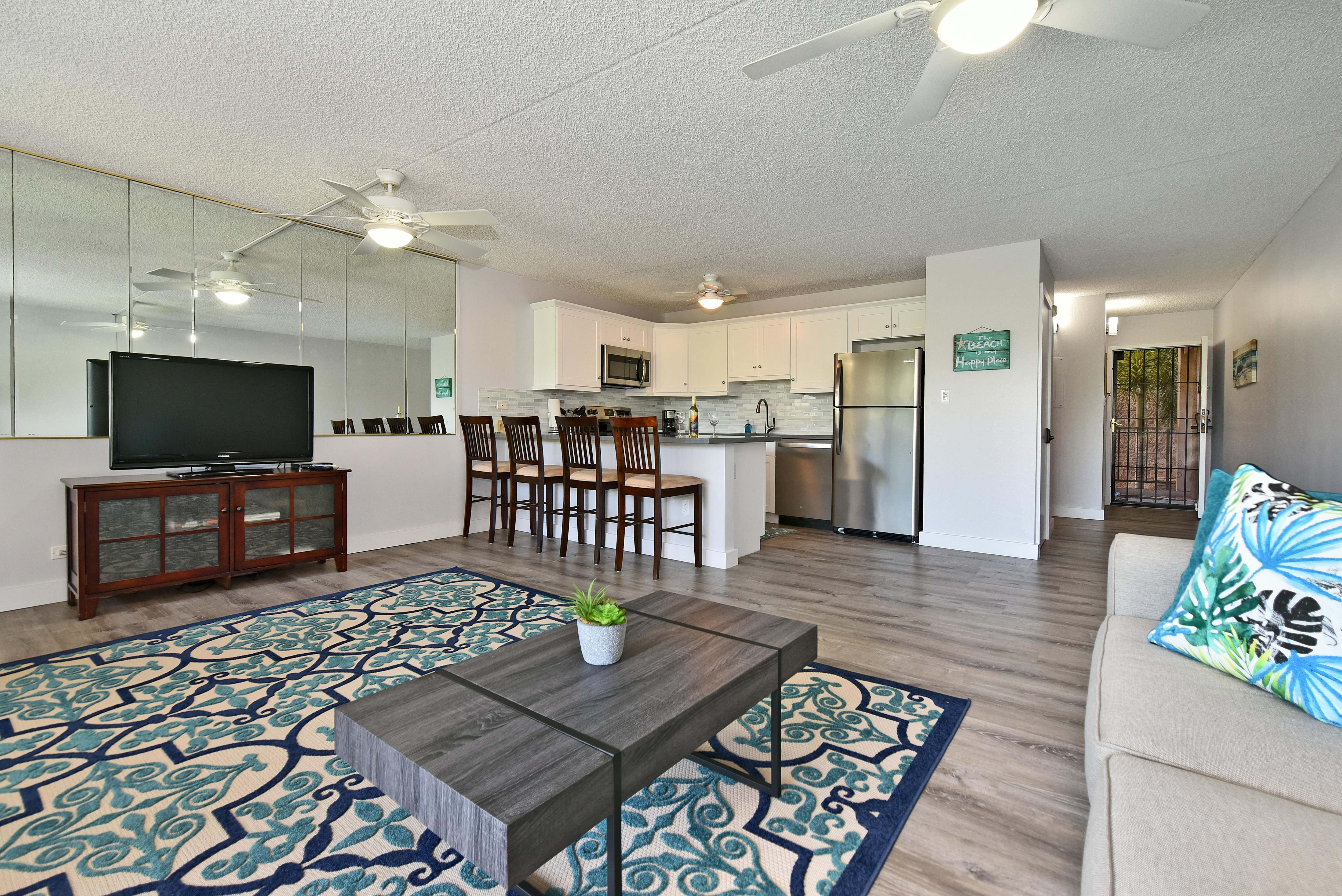 Property Image 1 - Bright updated condo across from Kamaole beach