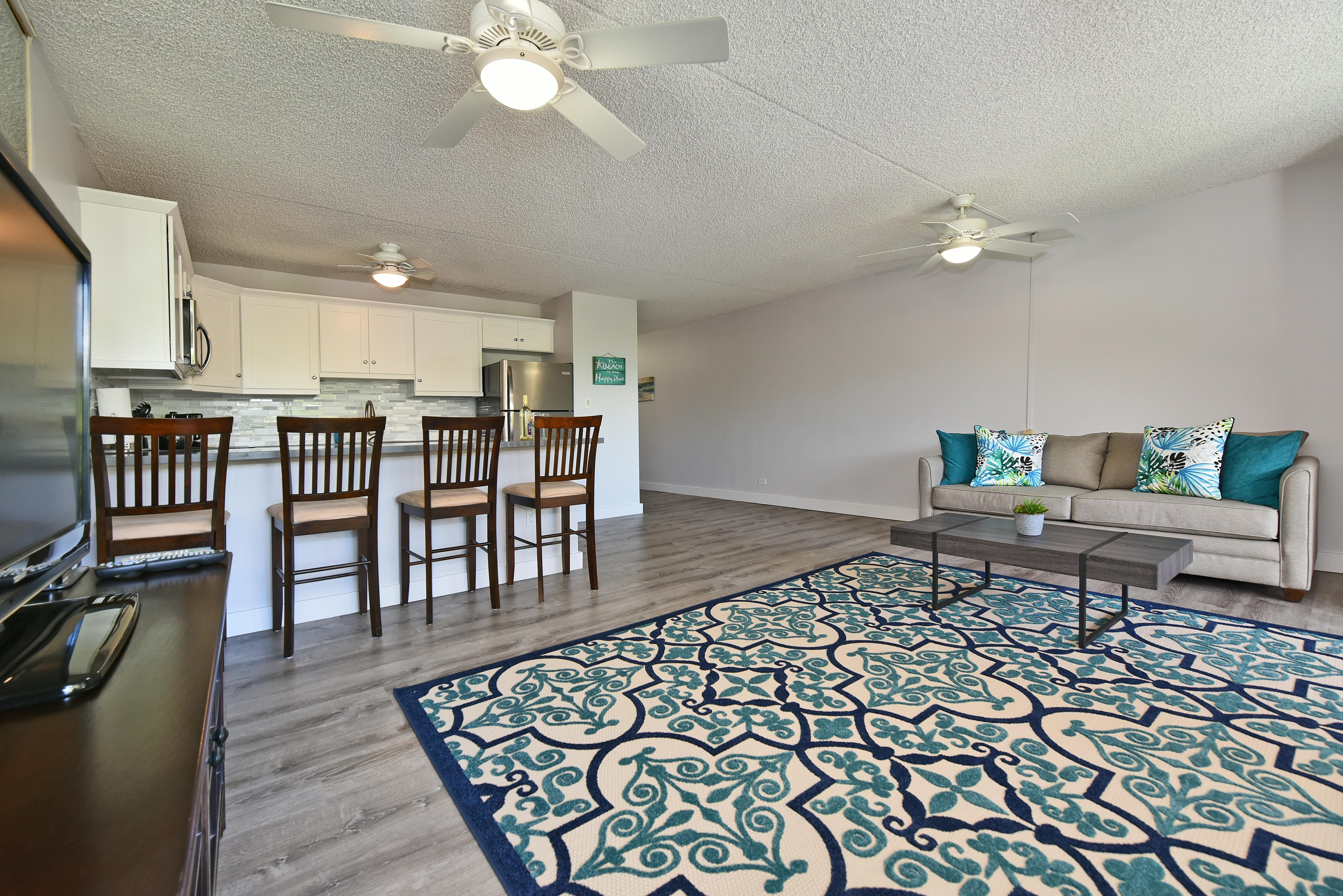 Property Image 2 - Bright updated condo across from Kamaole beach