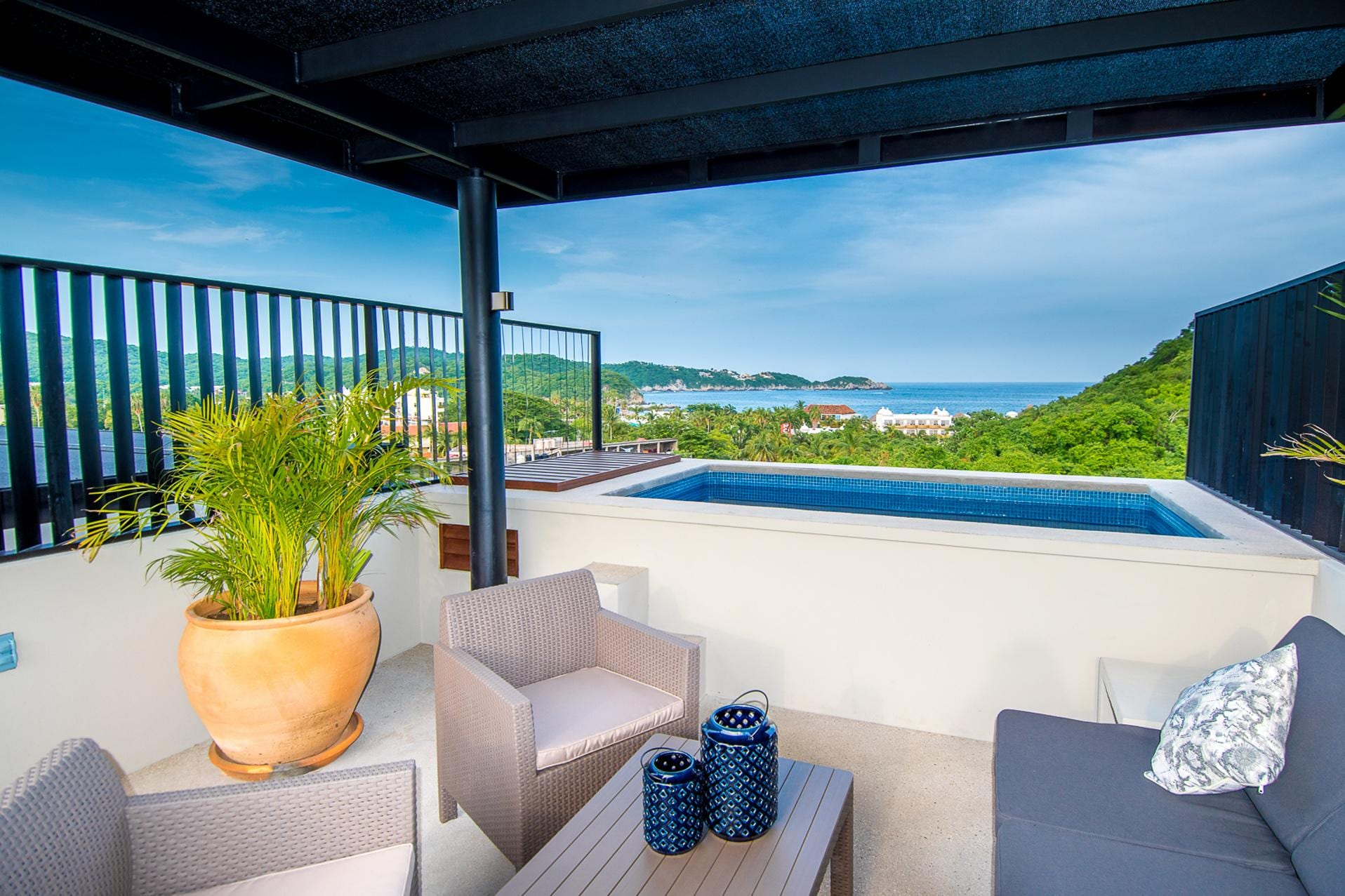 Private Rooftop Plunge Pool in Chic Central Location