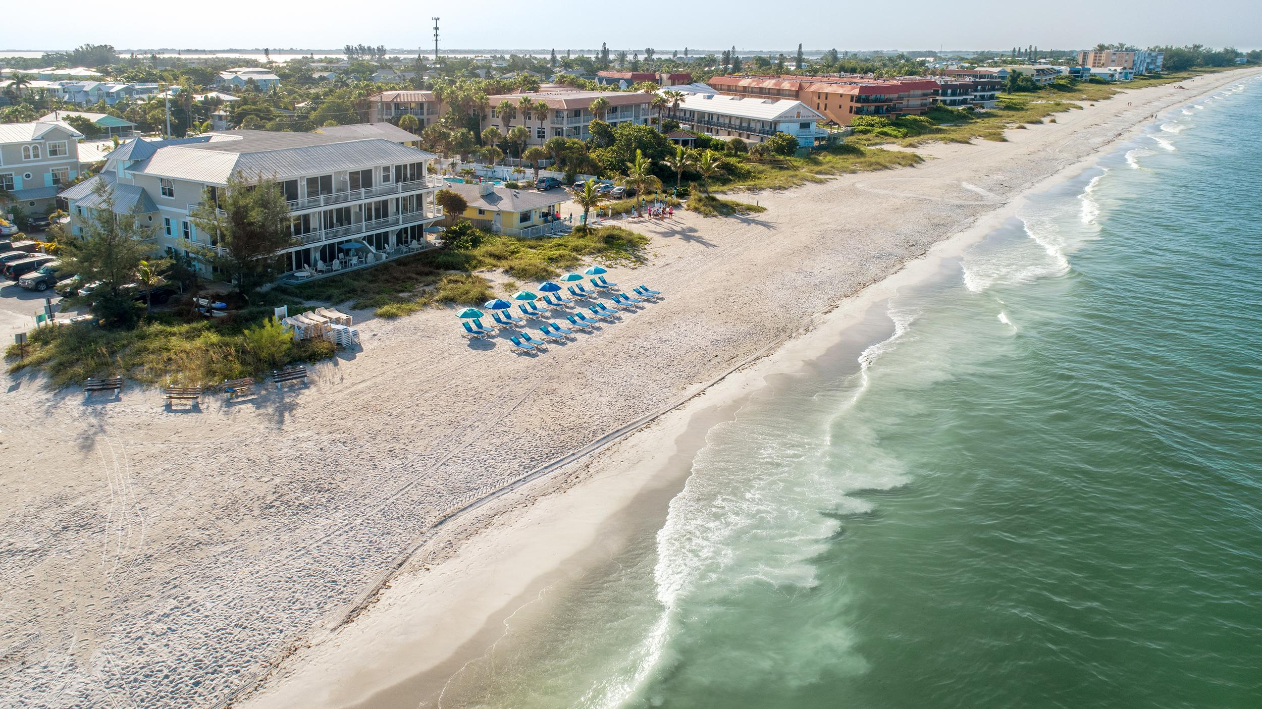 Stunning Beach Front Condo with Panoramic Views