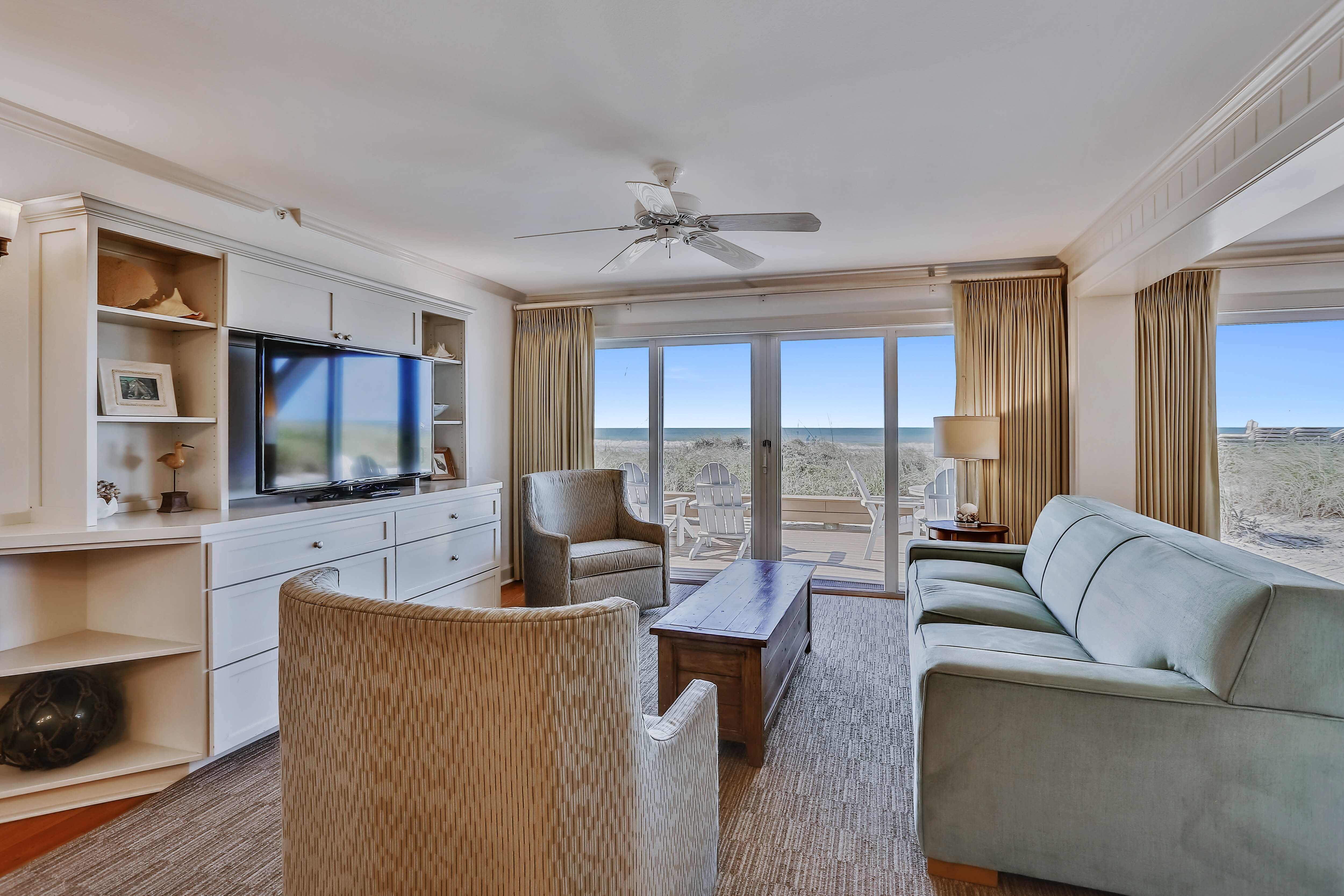 Property Image 1 - Stunning Beach Front Condo with Panoramic Views
