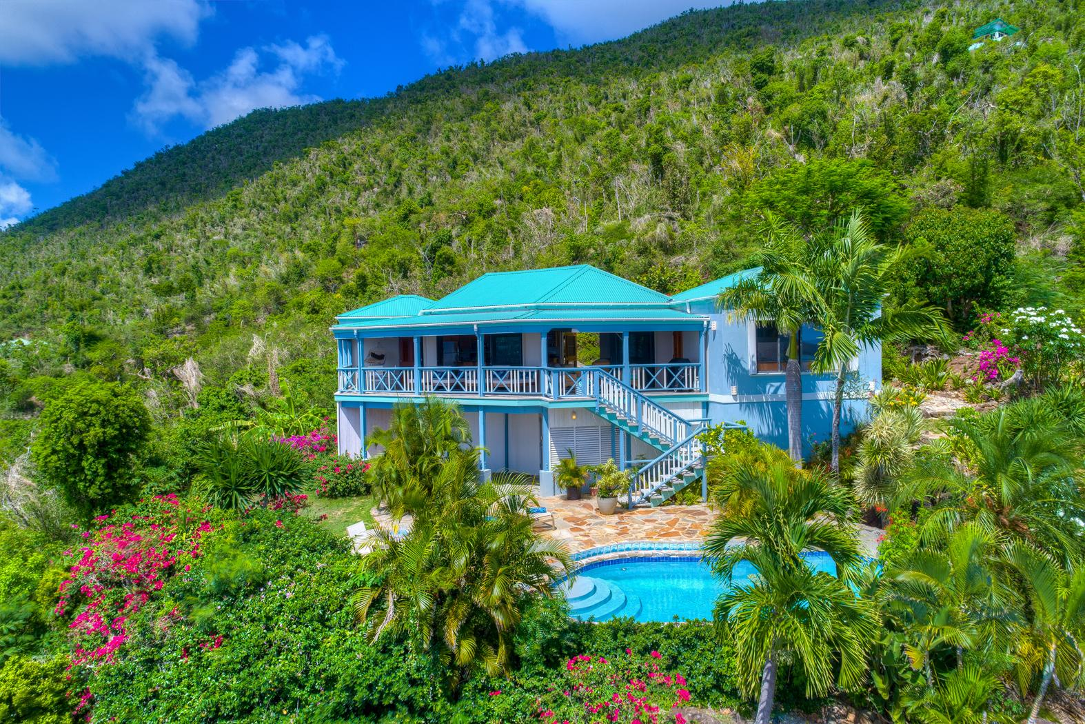 Caribbean Oasis Perched Above the Sea