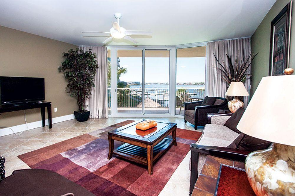 Property Image 1 - Stunning and Spacious Condo with High-end Amenities