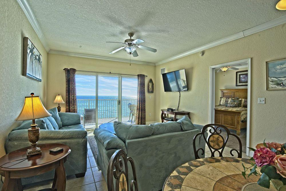 Beach-front Condo with Balcony in the Heart of Gulf Shores