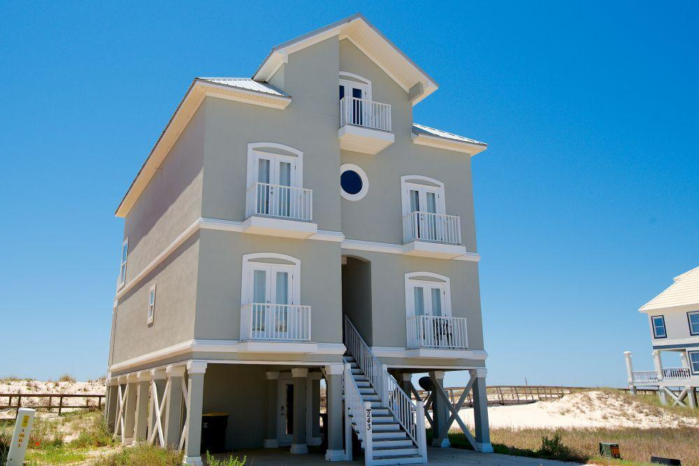 Property Image 2 - Luxurious Private 6-bedroom House with Beach Access