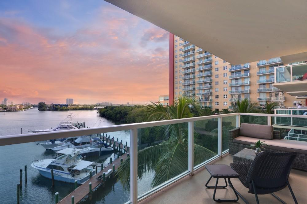 Property Image 1 - Spacious and Sun-filled Condo with High-end Amenities and Hot Spots