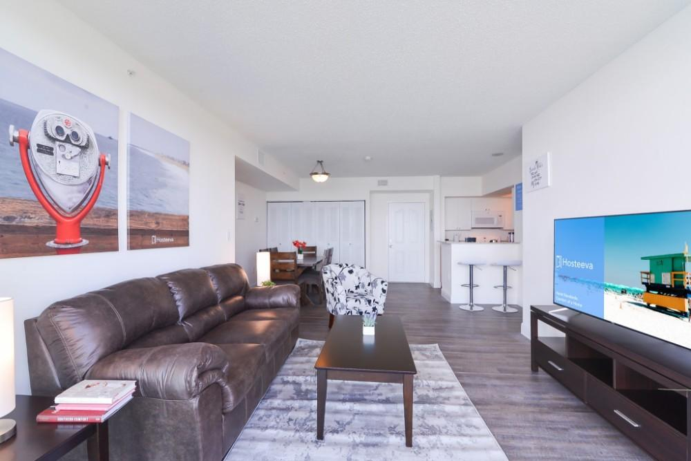 Spacious and Lively Condo in Sunny Isles