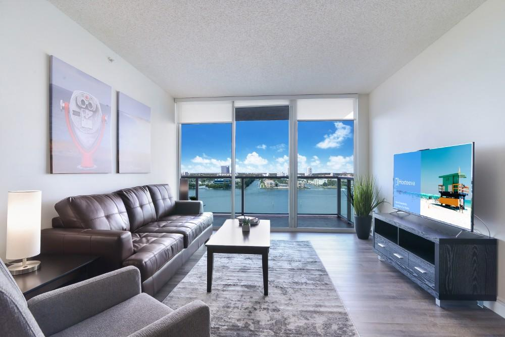 Amazing Condo with Sun Deck Waterfront Views