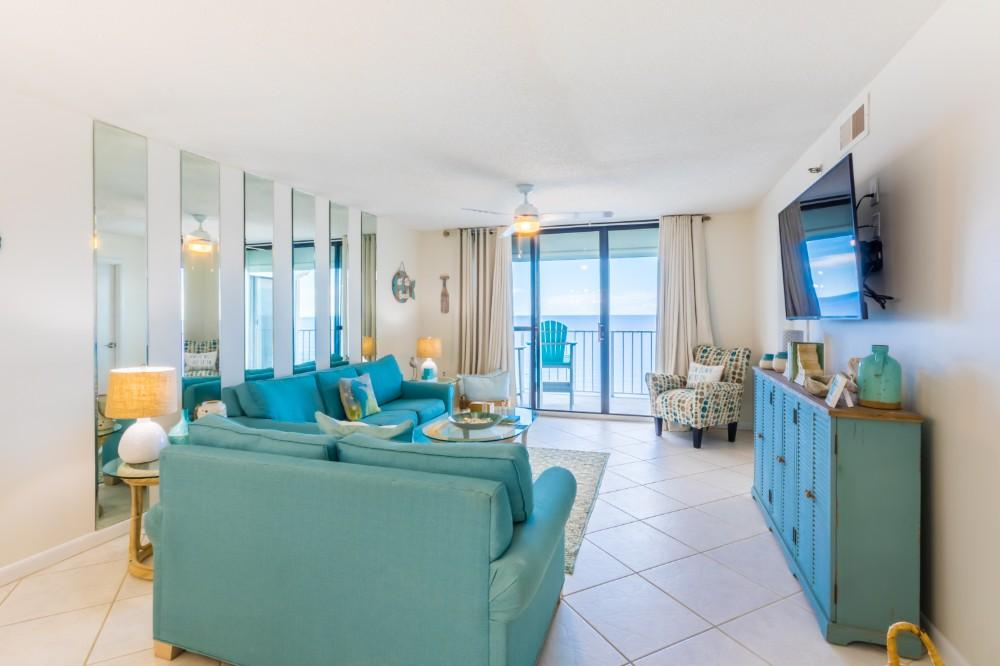 Beach-front Condo with Charming Design and Décor