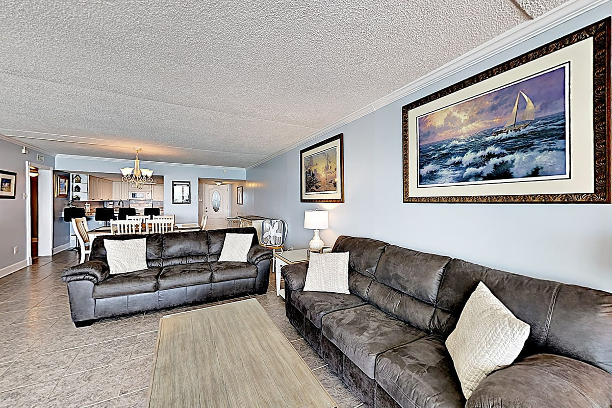 Property Image 1 - Fantastic 3-bedroom Oceanfront Condo w outdoor Oceanfront Pool