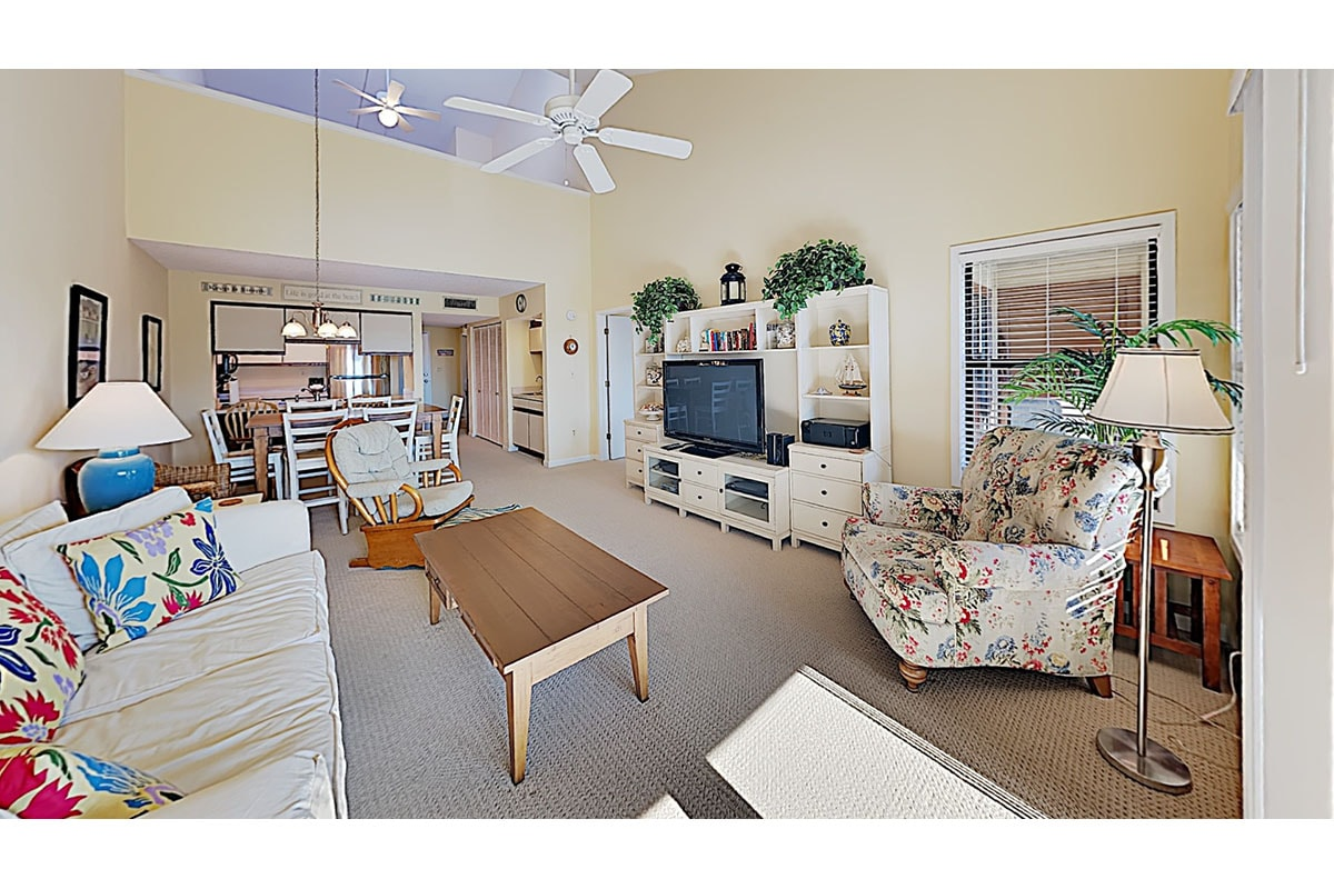 Property Image 1 - Beautiful 2BR/2BA condo w private beach cabana