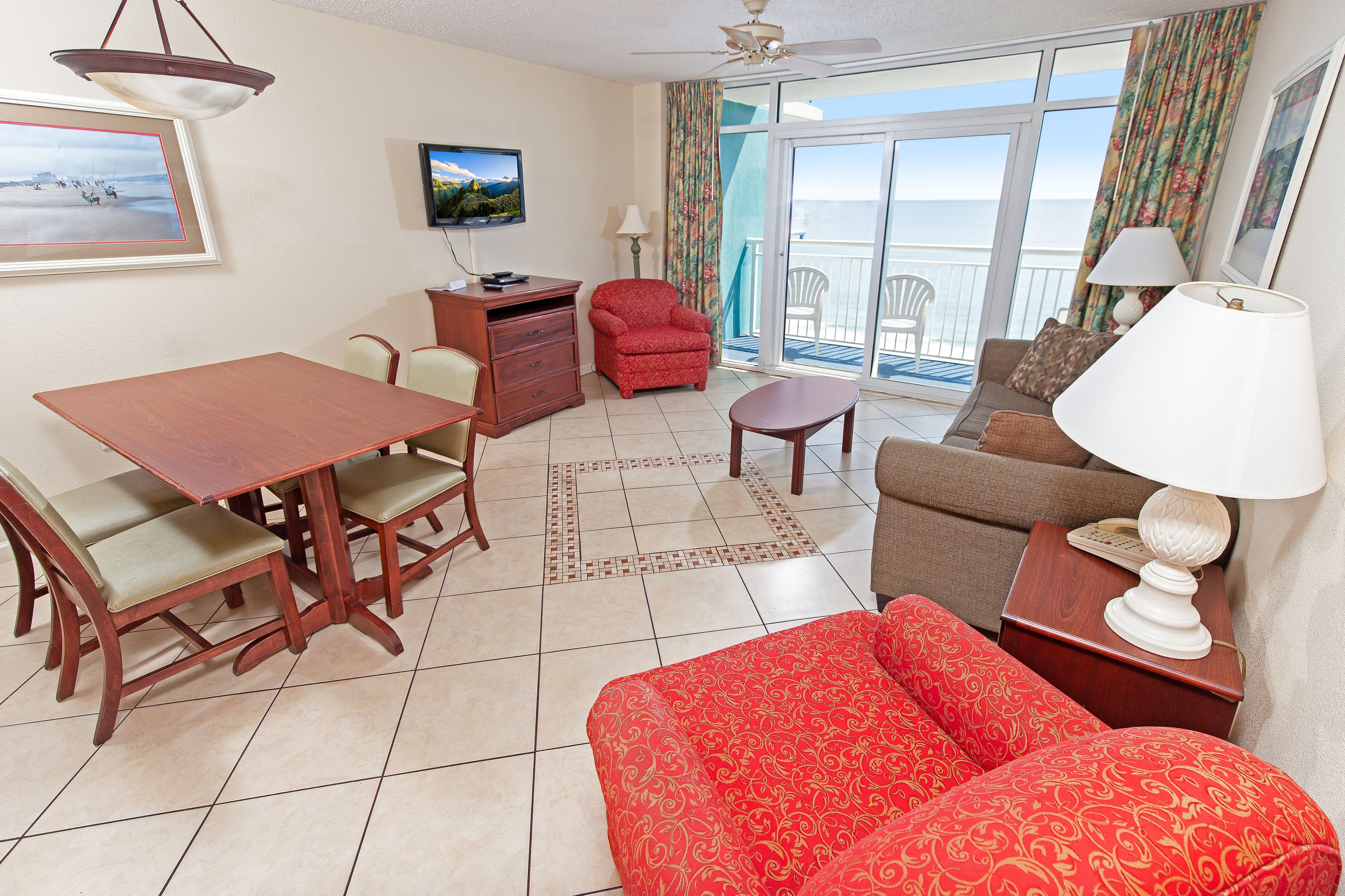 Property Image 1 - Gracious Oceanfront Condo