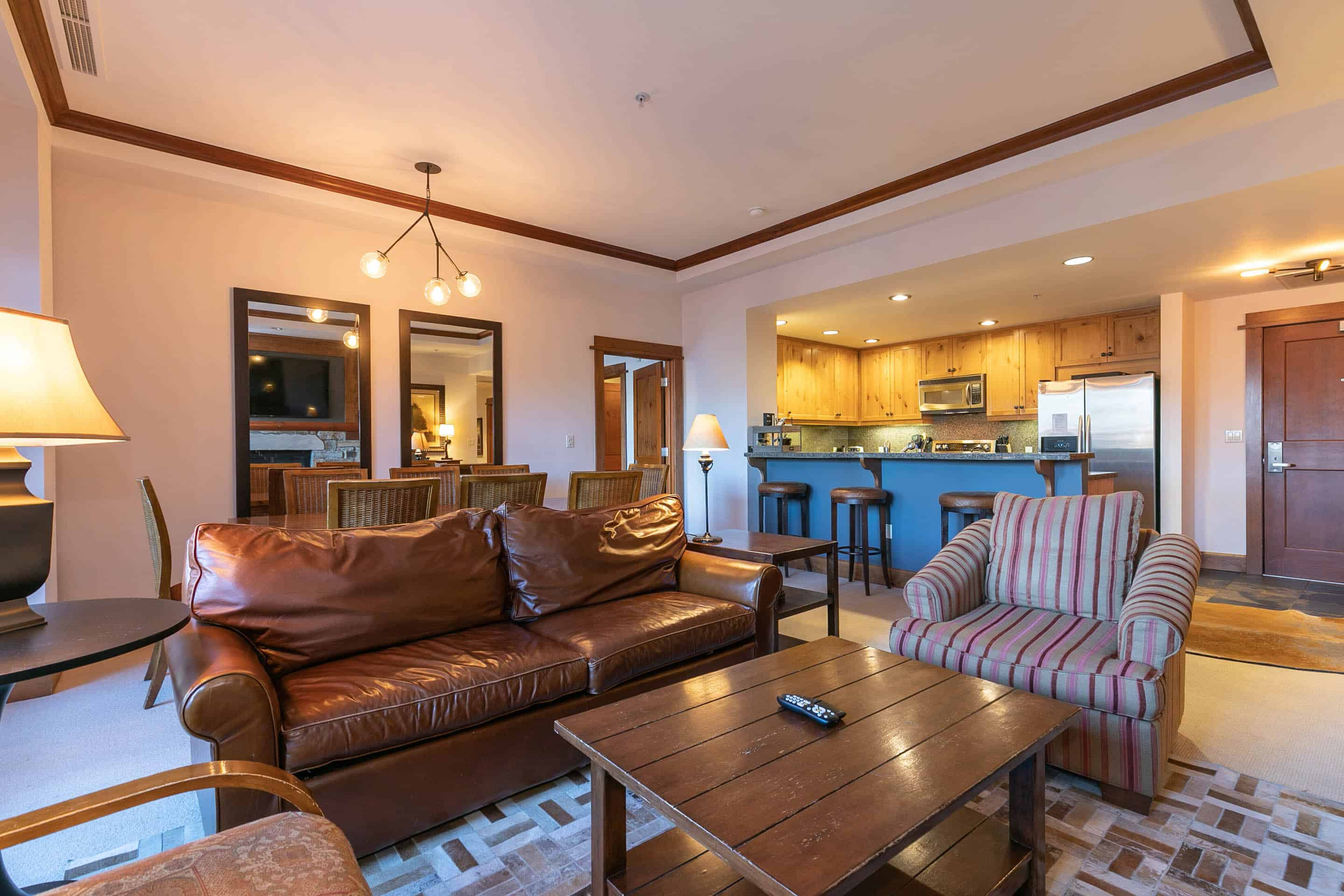 Slopeside with chef's kitchen, bunk room, Village views