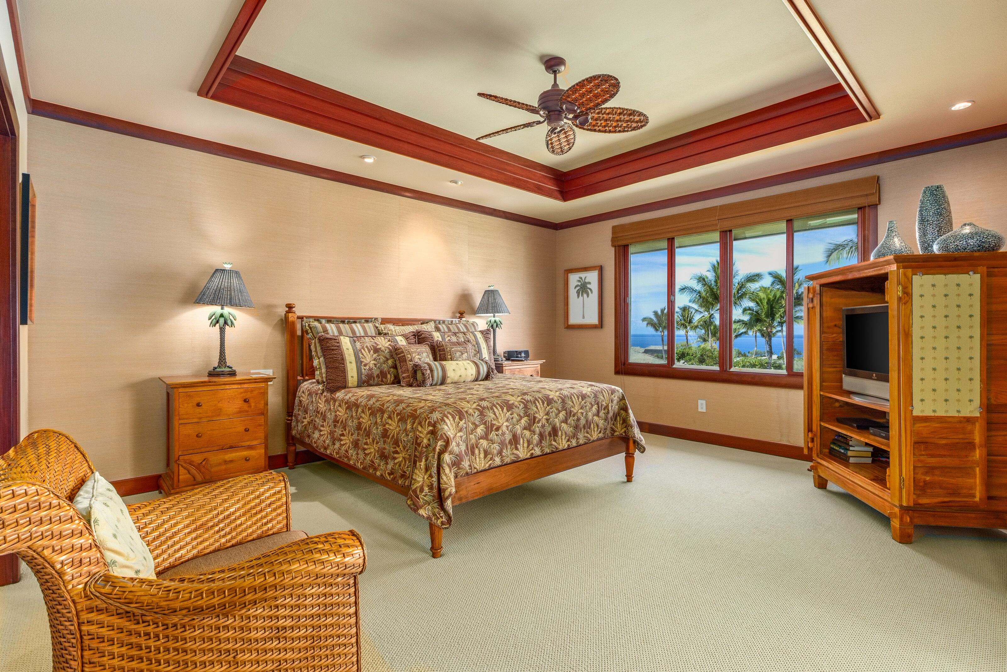 Lovely second floor, ocean view condo, covered lanai, outdoor kitchen, easy drive to Mauna Kea amenities