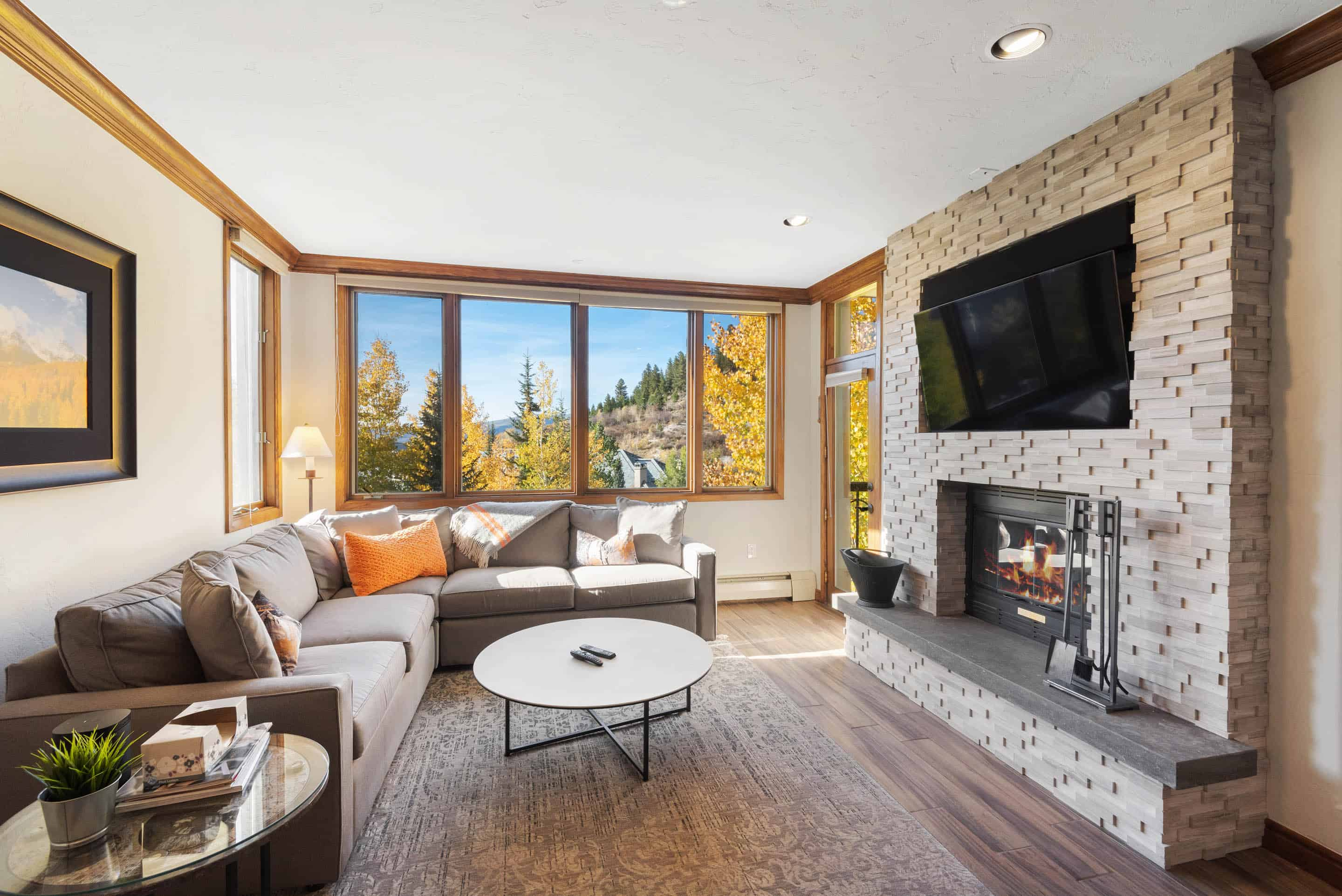 Property Image 1 - Bright, Modern Condo with Fireplace & On-Site Hot Tubs & Skiing
