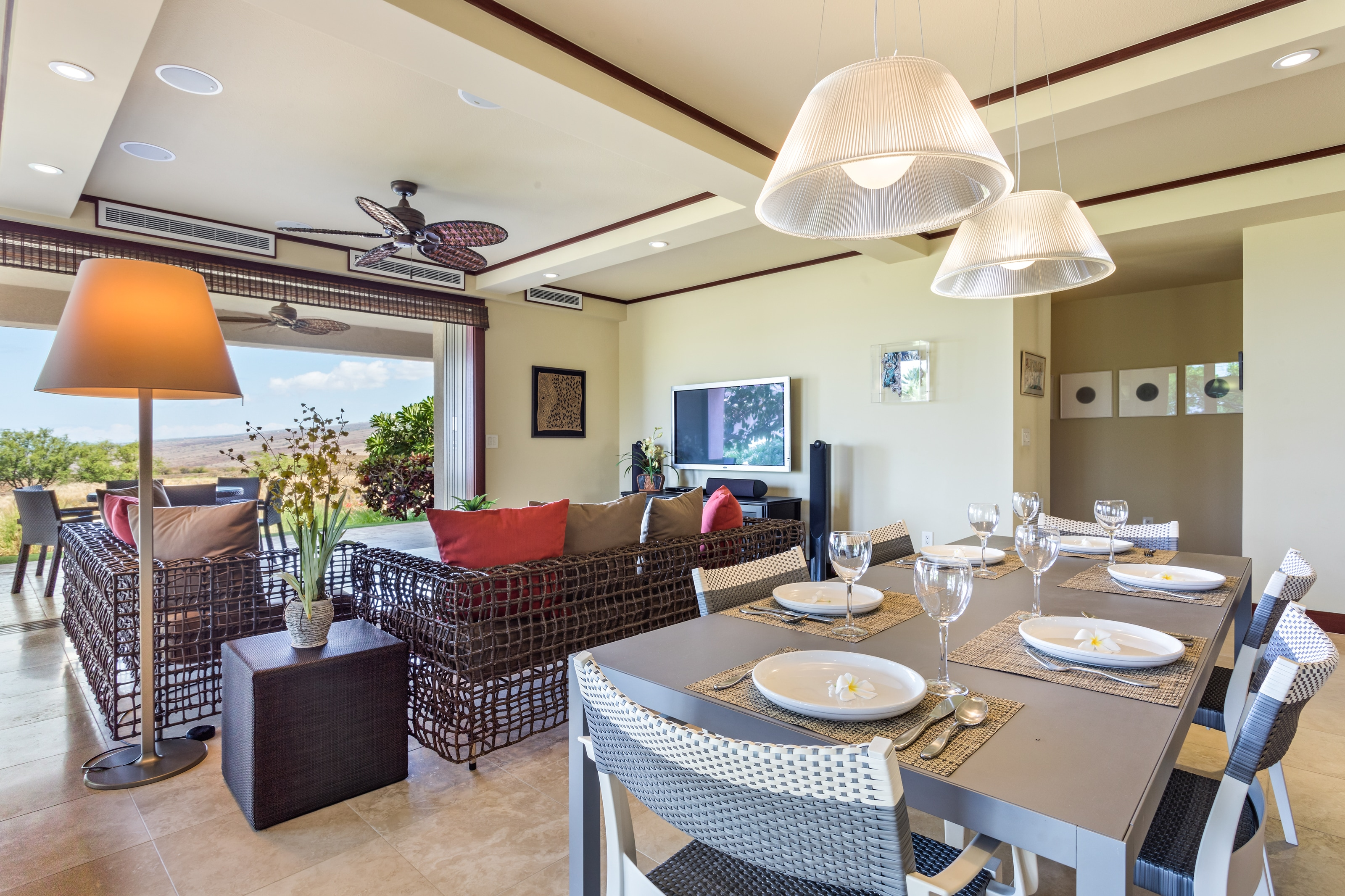 Property Image 2 - Idyllic Indoor/Outdoor Living with Lanai and Chef's Kitchen