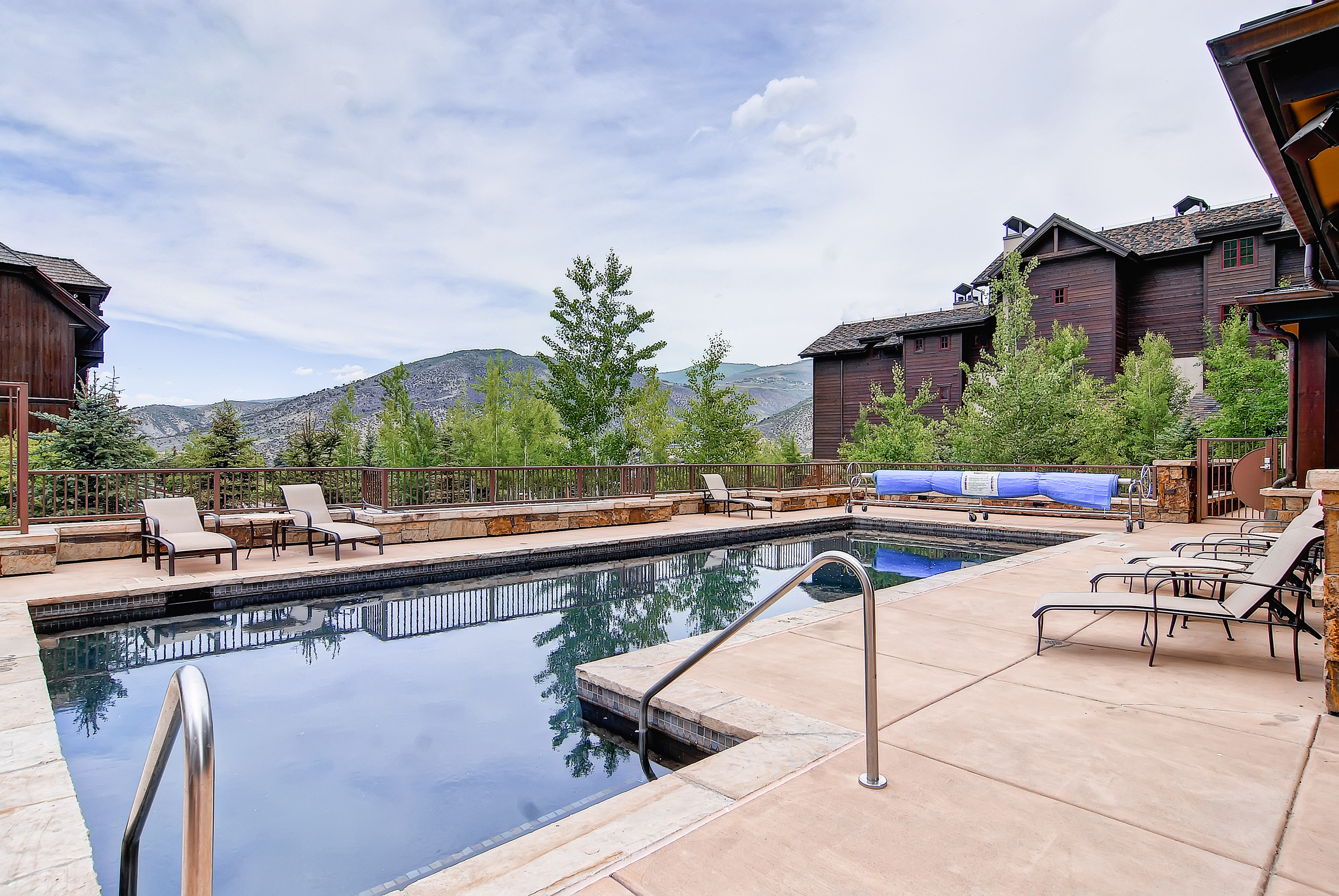Spacious Beaver Creek Condo Steps From Chairlift
