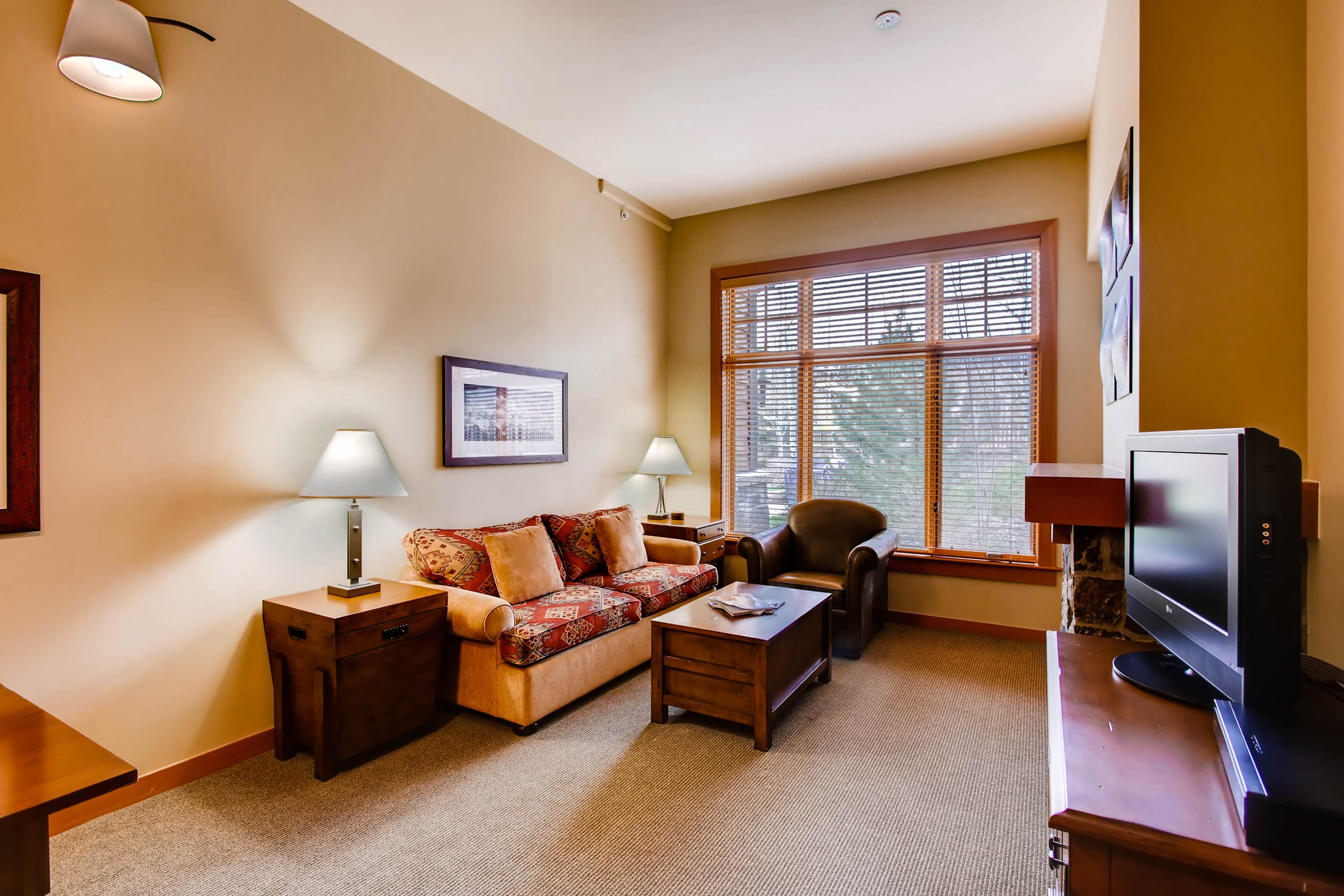 Cozy mountain condo centrally located in Snowmass Base Village