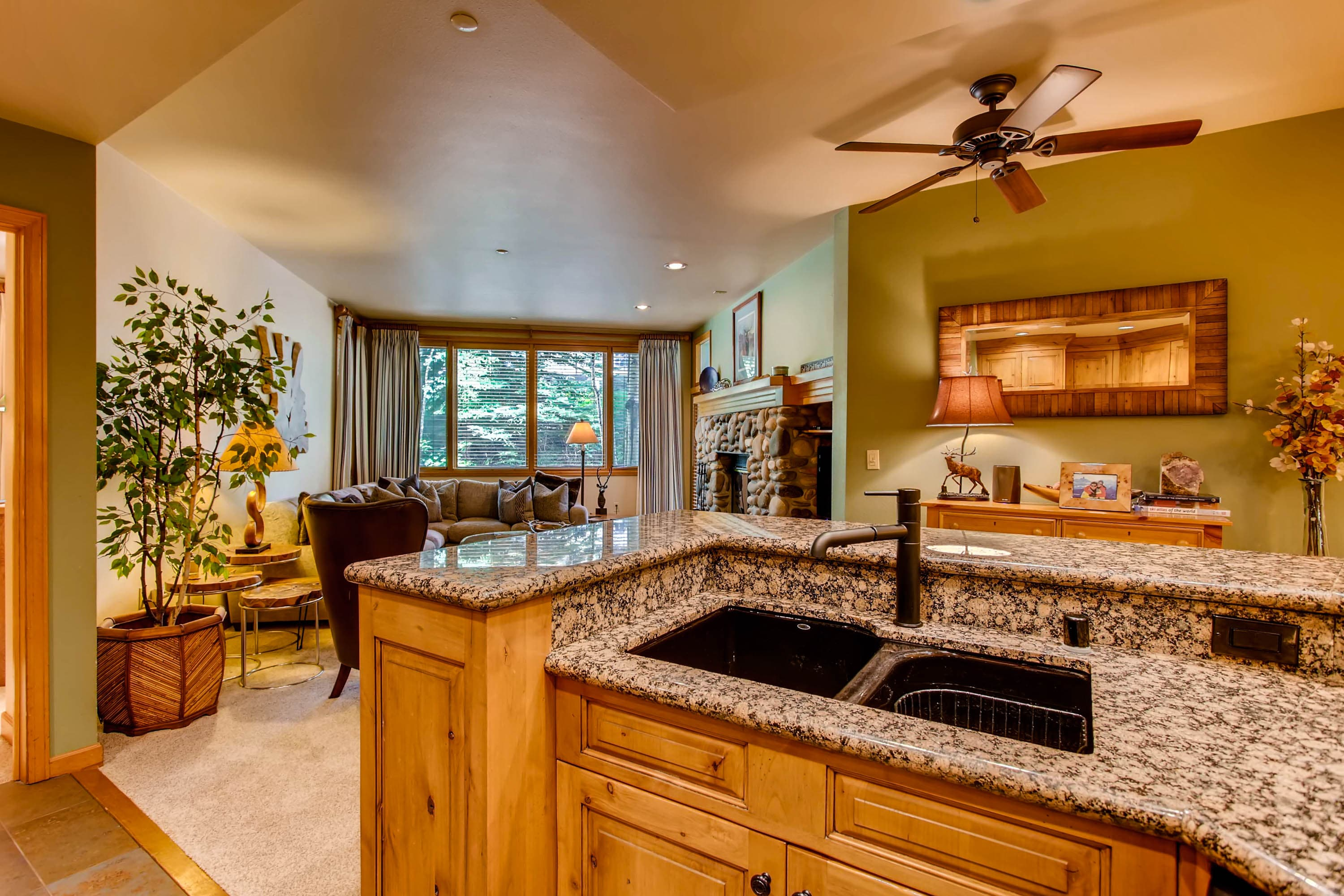Ski-in/Ski-out Beaver Creek Condo with Mountain Views