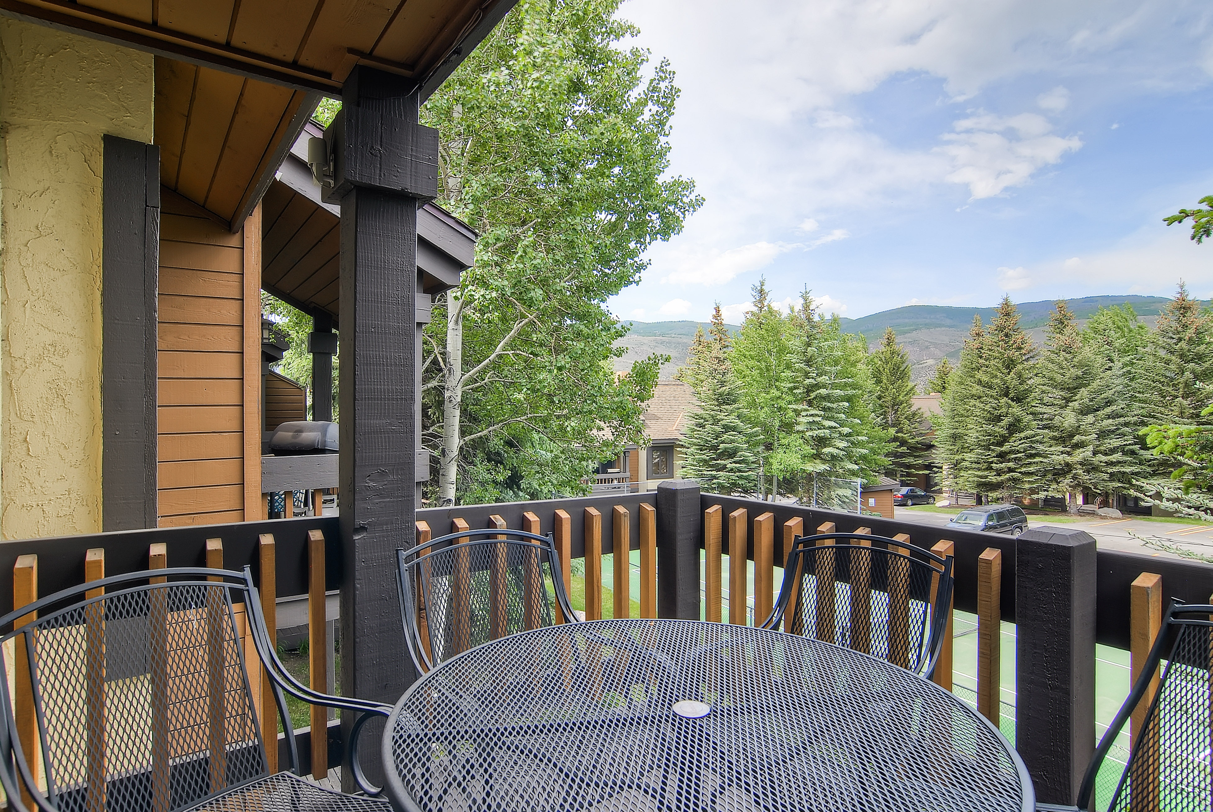 Property Image 2 - Spacious Beaver Creek Townhome with Breakfast Nook