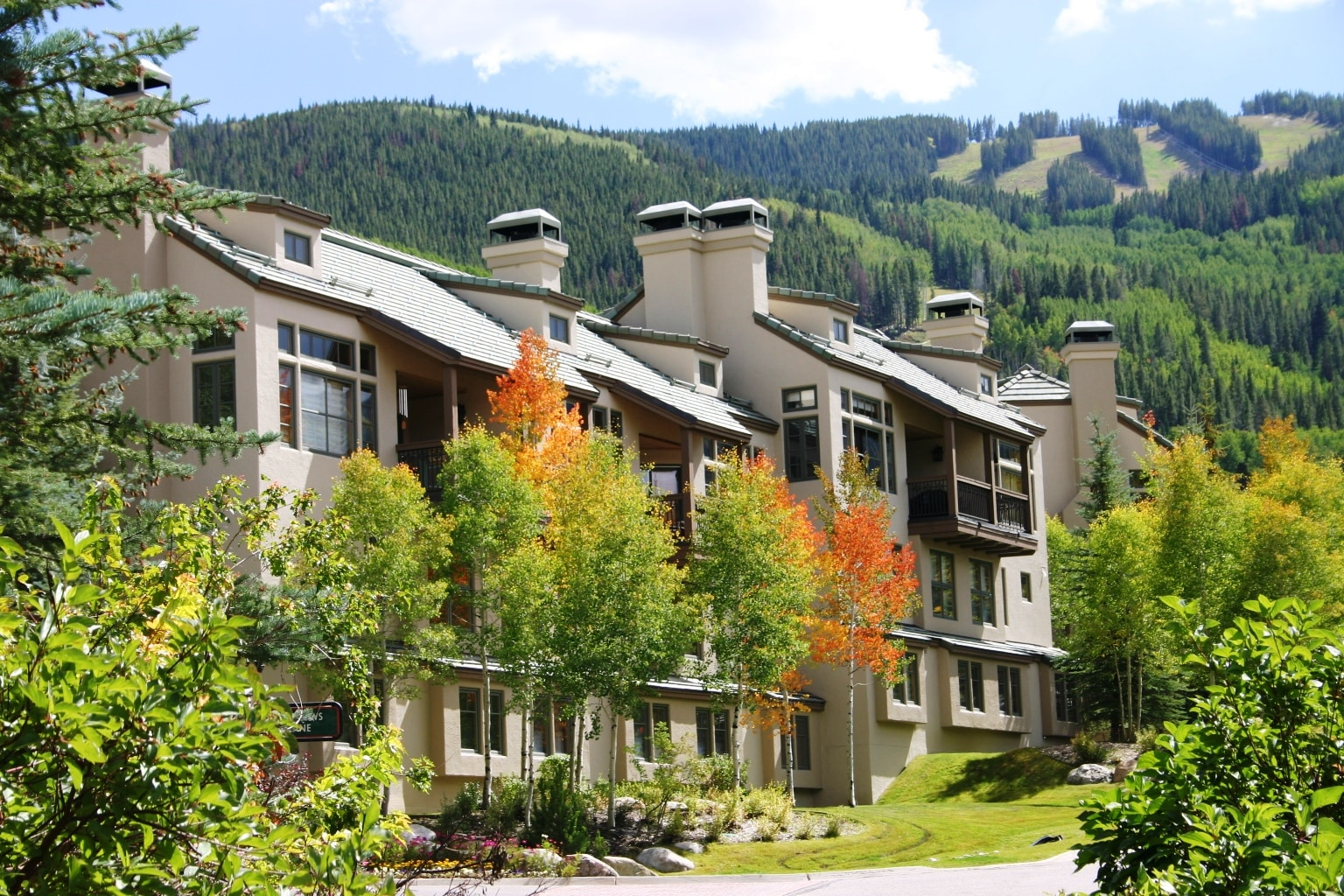 Inviting Beaver Creek Townhome with Valley Views