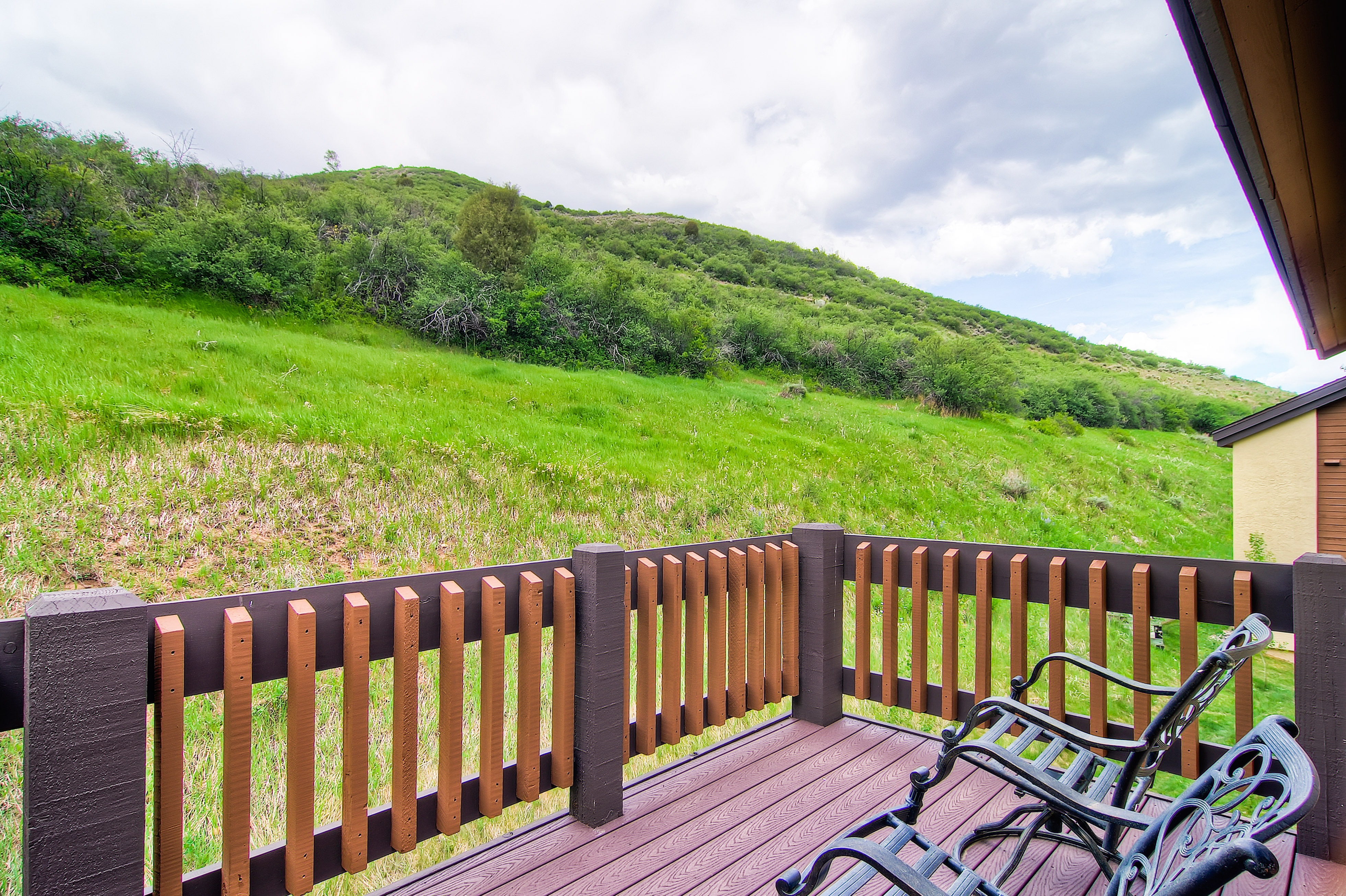 Beaver Creek Condo with Large Outdoor Deck