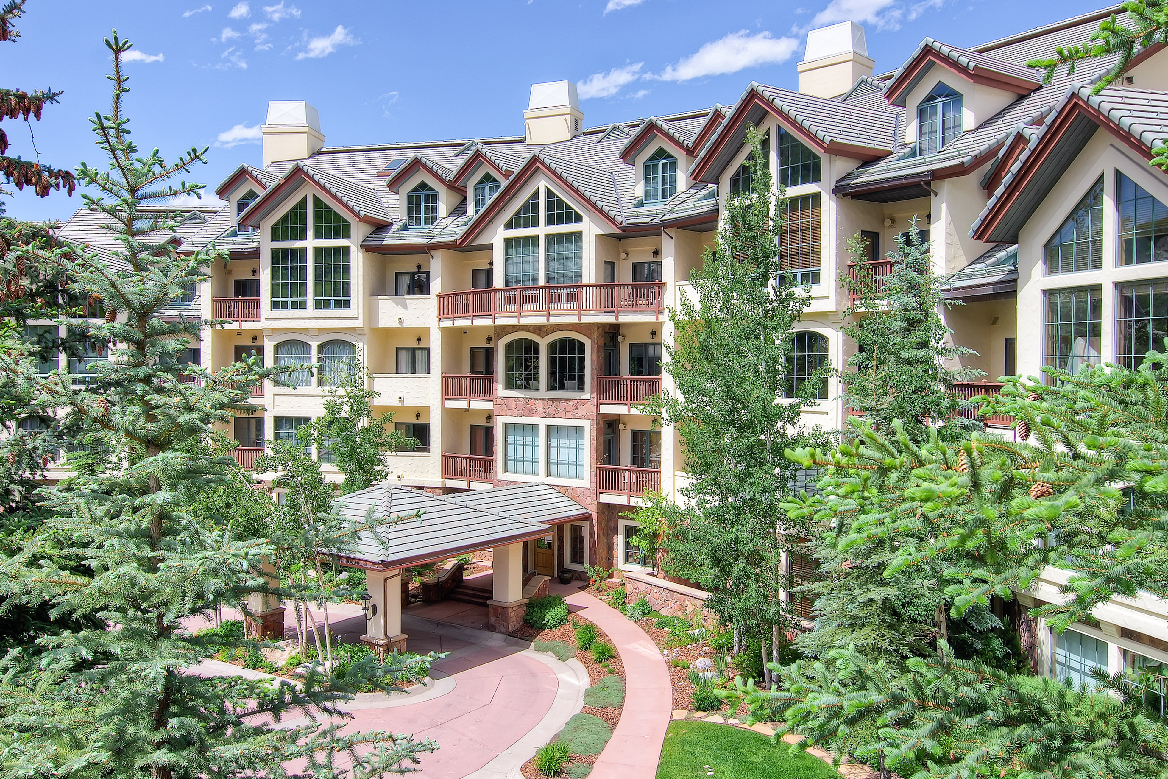 Multi-Level Condo in Beaver Creek with Special Details