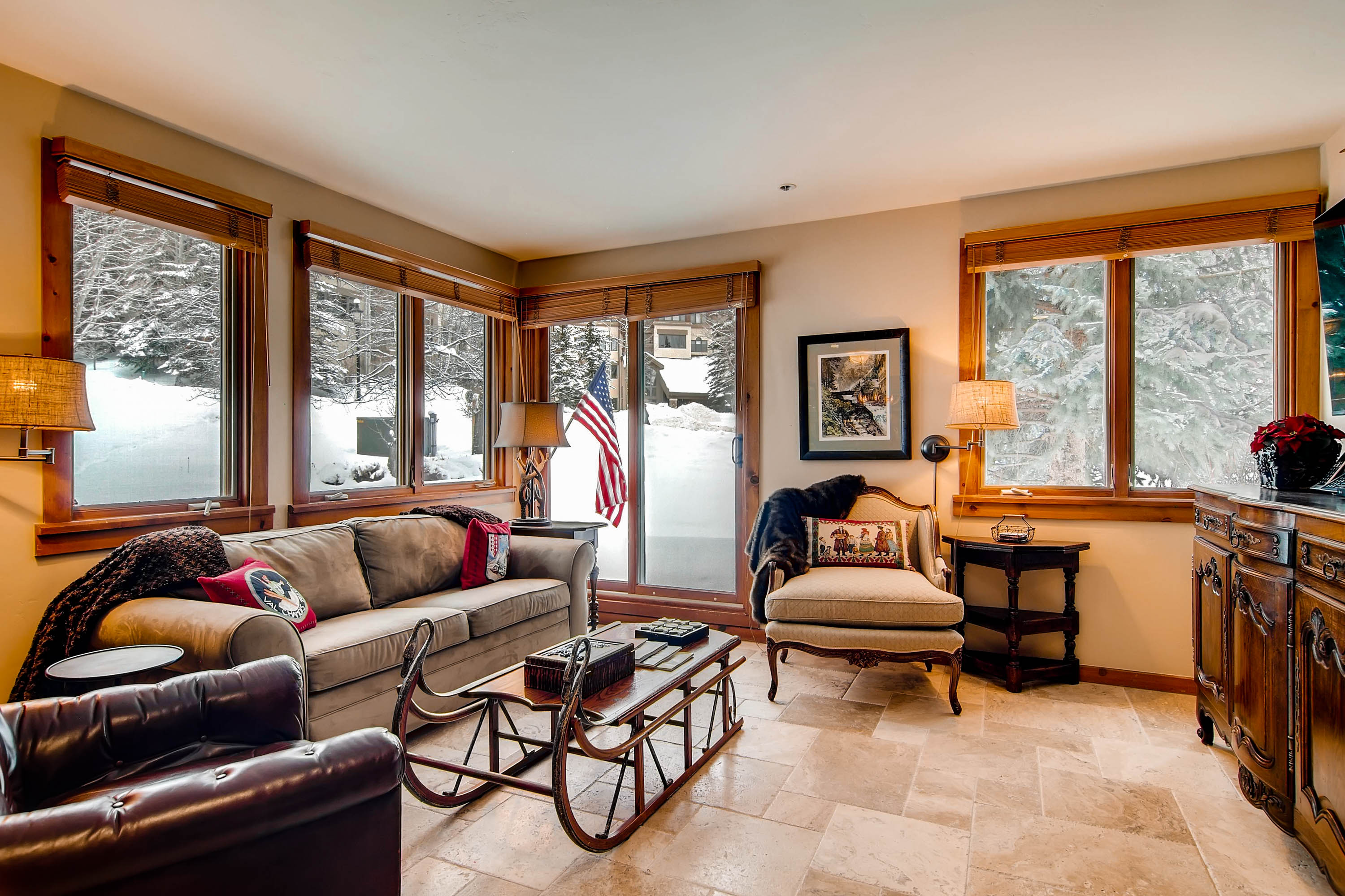 Immaculate Condo in Beaver Creek with Patio Access