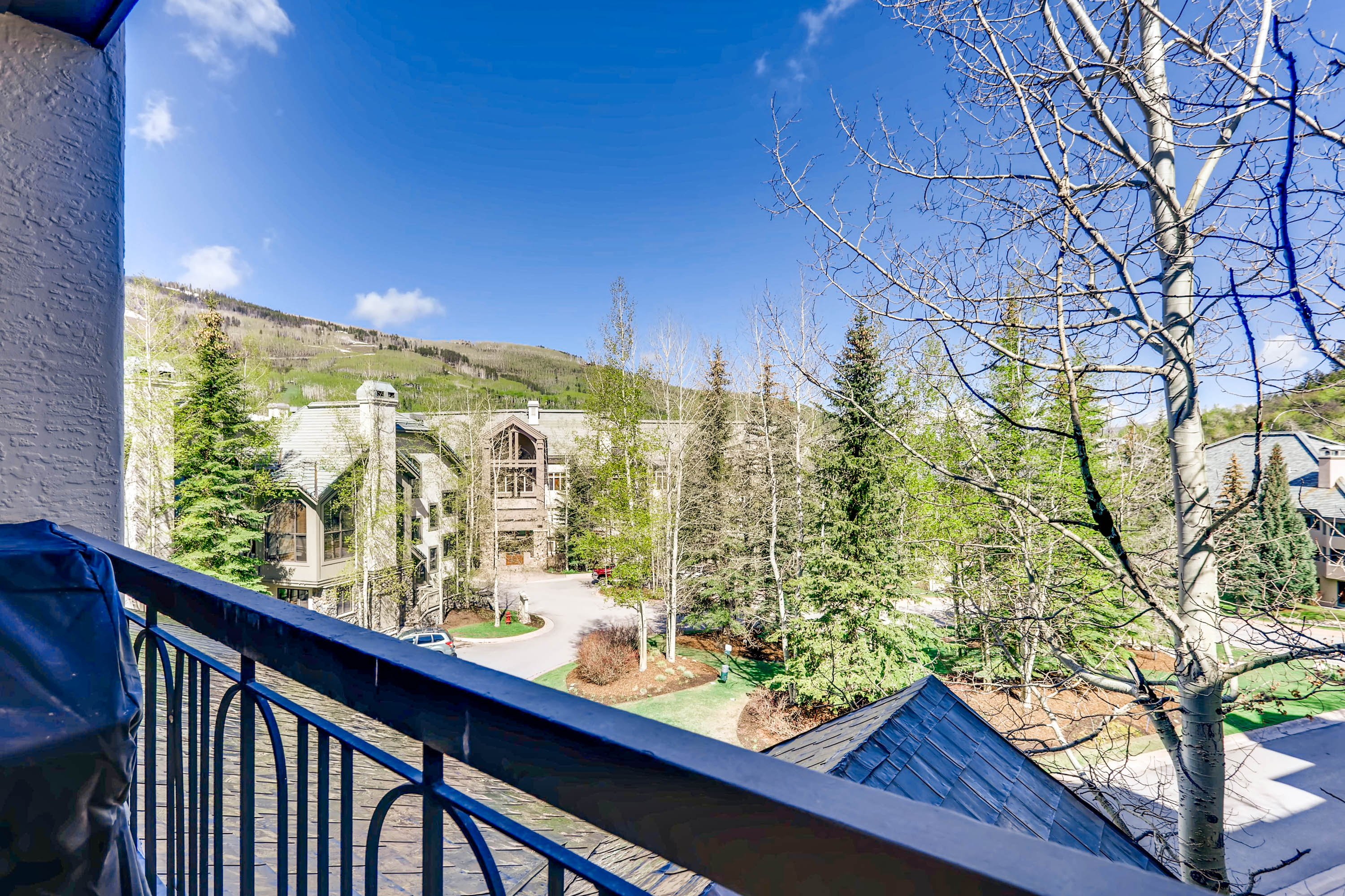 Family Friendly Beaver Creek Condo with Ski Access