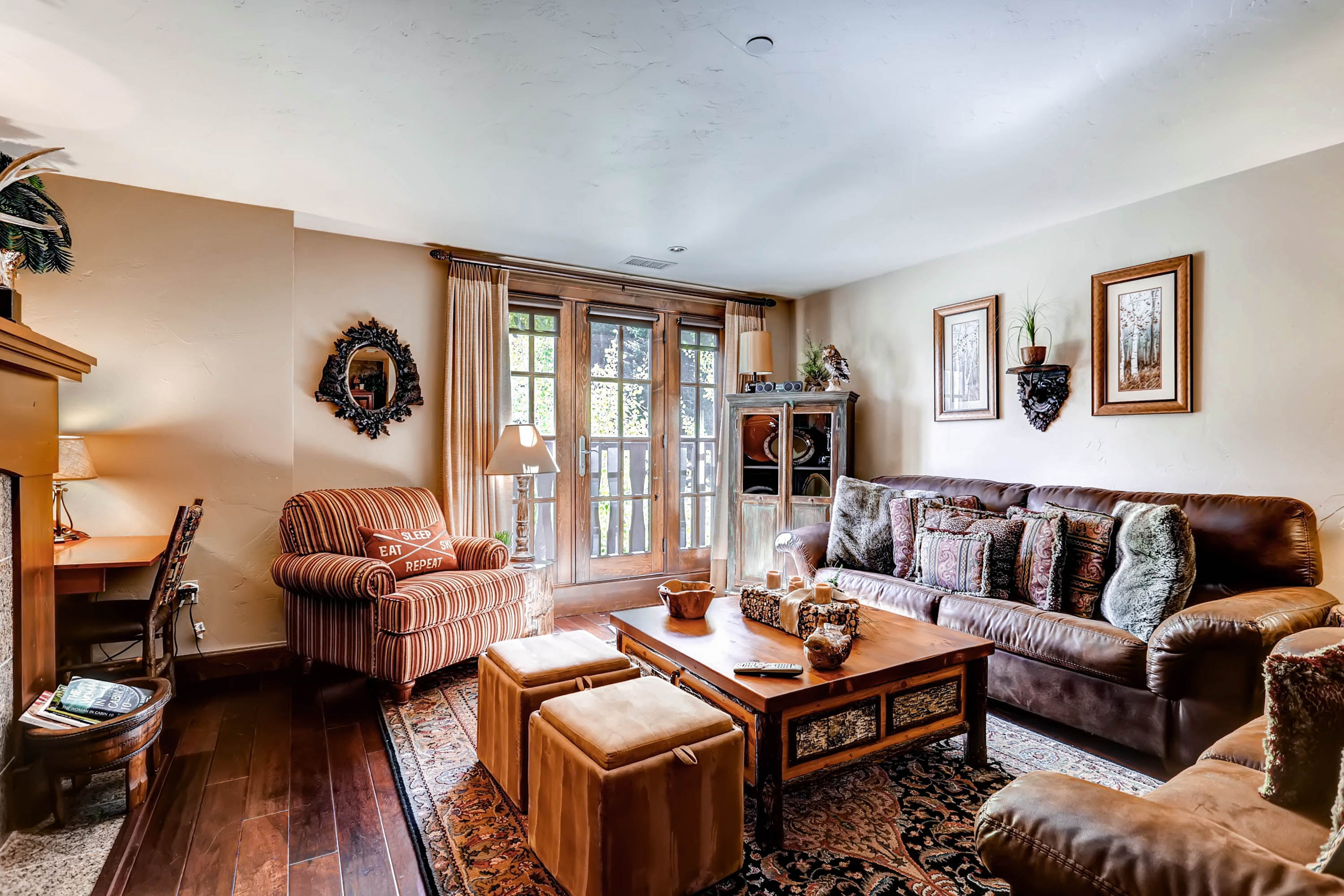 Cozy Condo in Avon with all the Touches of Home