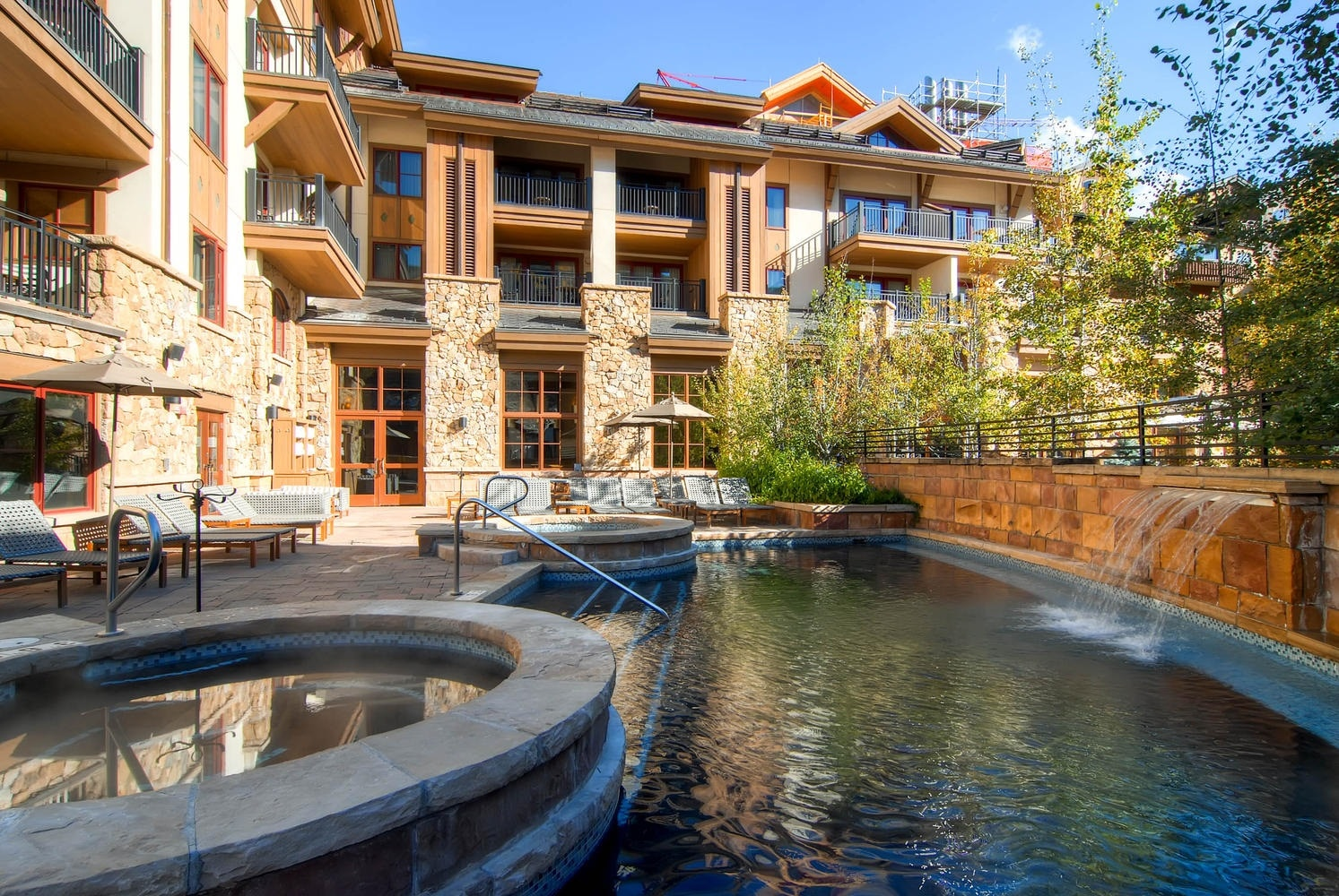Contemporary Condo in Vail Village with Mountain views