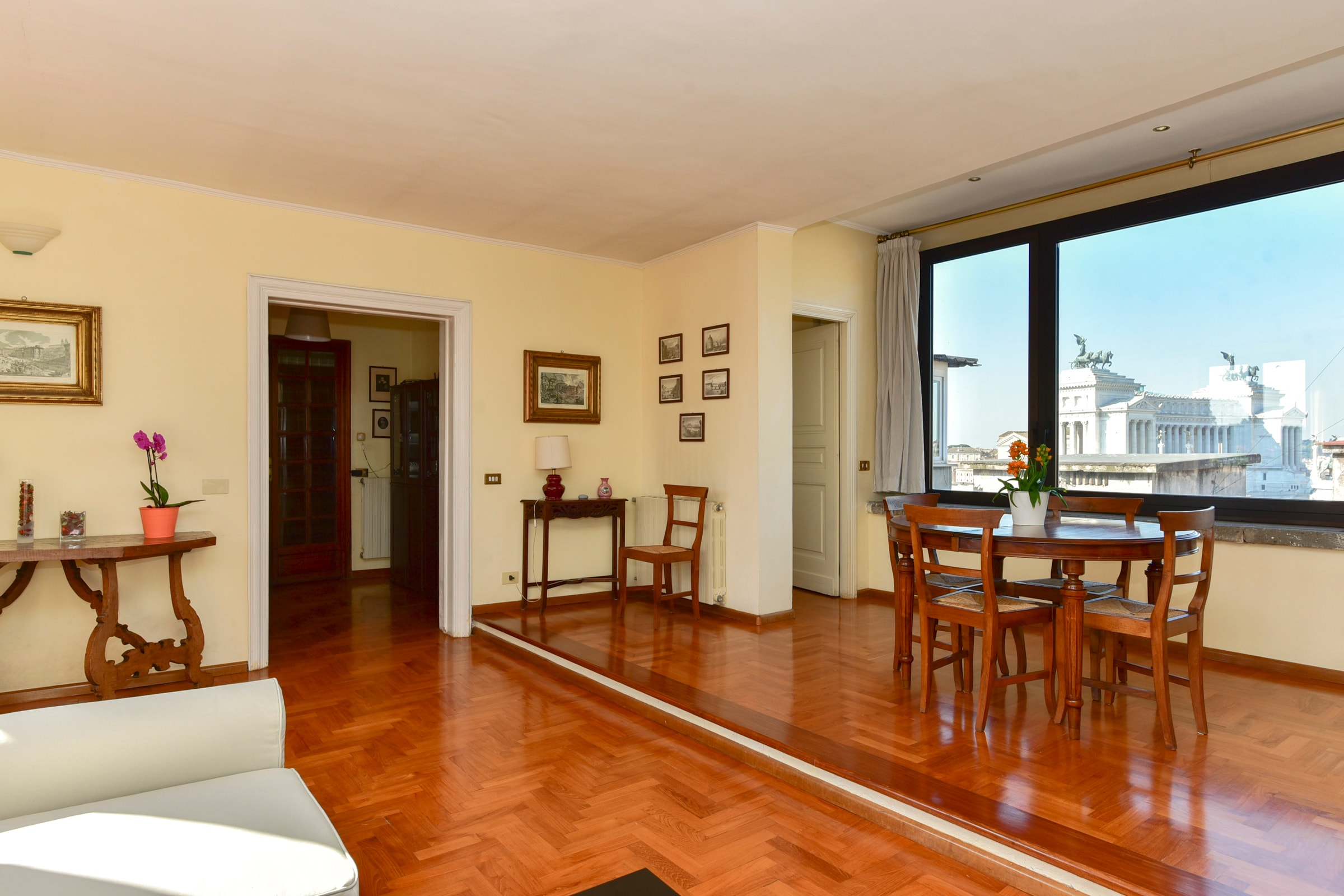 Classic Roman Two Bedroom Apartment with Amazing City Views