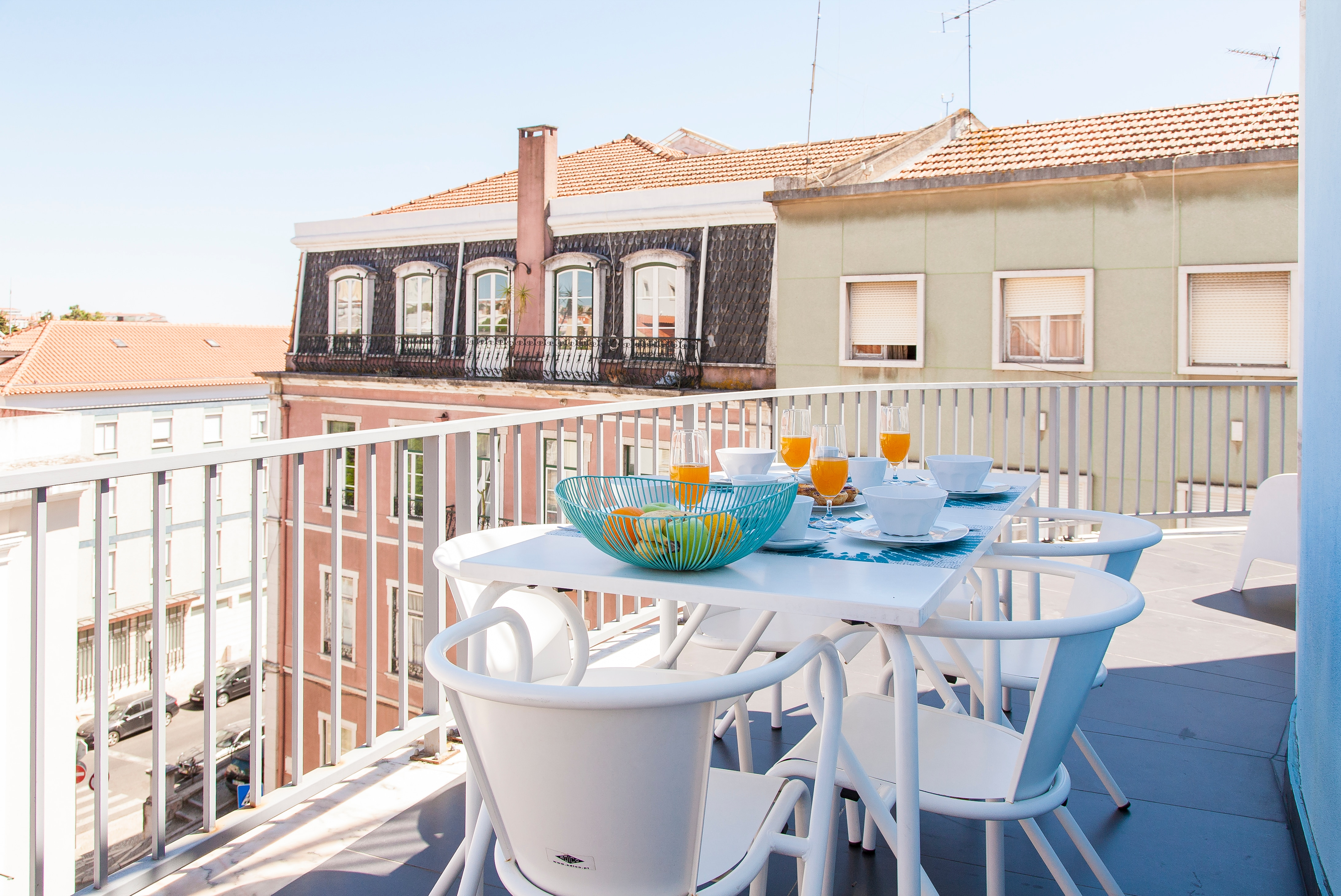 Delightful Two Bedroom Apartment W/Terrace in Estrela