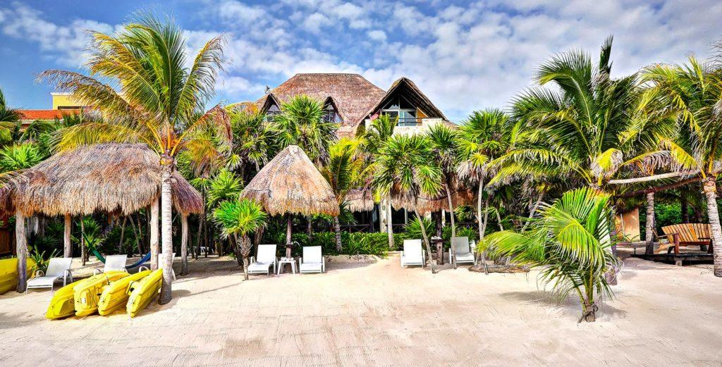 Property Image 1 - Large Tropical Villa Facing the Turquoise Caribbean