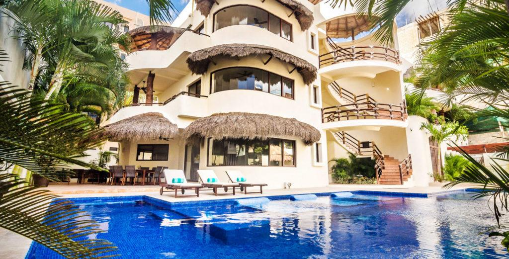 Property Image 1 - Well Located 9 Bedroom House in Playa del Carmen