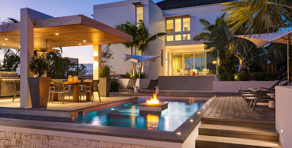 Beautifully Designed Home with Beachside Barbecue