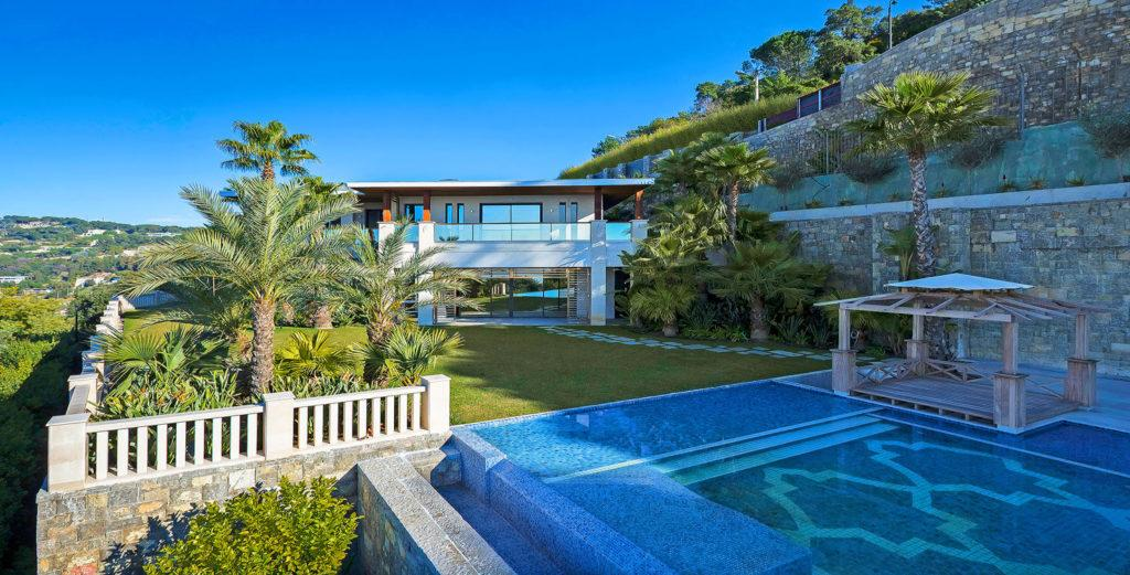 Property Image 1 - Hillside Mansion with Spa And Fitness Facilities