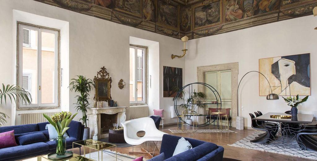 Property Image 1 - Elegant Apartment containing Priceless frescoes And Art