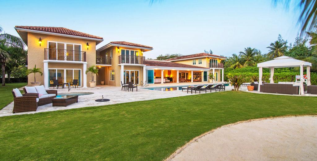 Property Image 1 - Gated Mansion located near Island's Best Spots