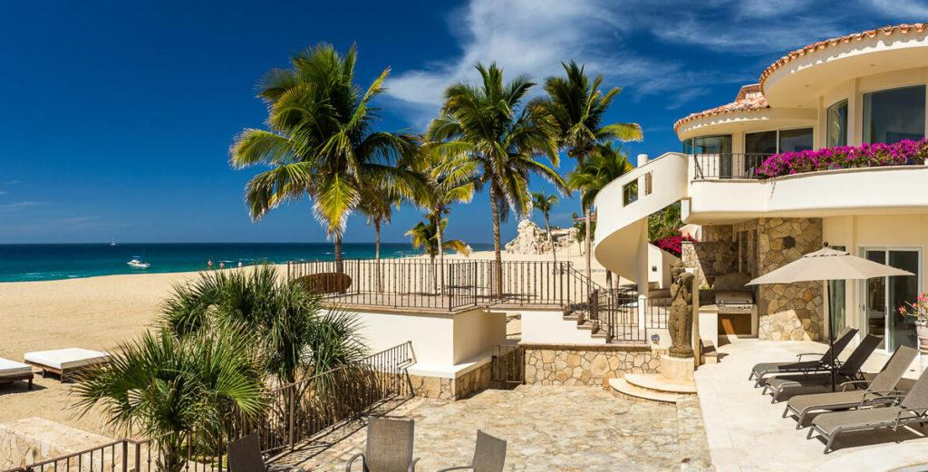 Property Image 2 - Tranquil Modern Mansion with Secluded Beachfront Access