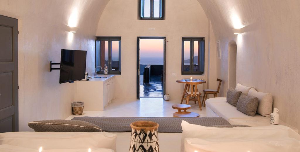 Property Image 1 - Brand-New Villa with Traditional Cave-Style Architecture in Fira Town